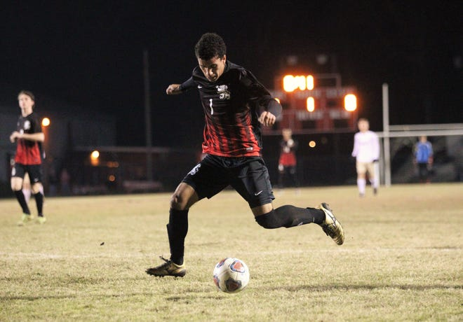 Leon's Sy Fontenot takes a shot on goal as Leon beat Gainesville Buchholz 5-2 on Jan. 18, 2019 to improve to 18-0-1 while being ranked No. 1 nationally.