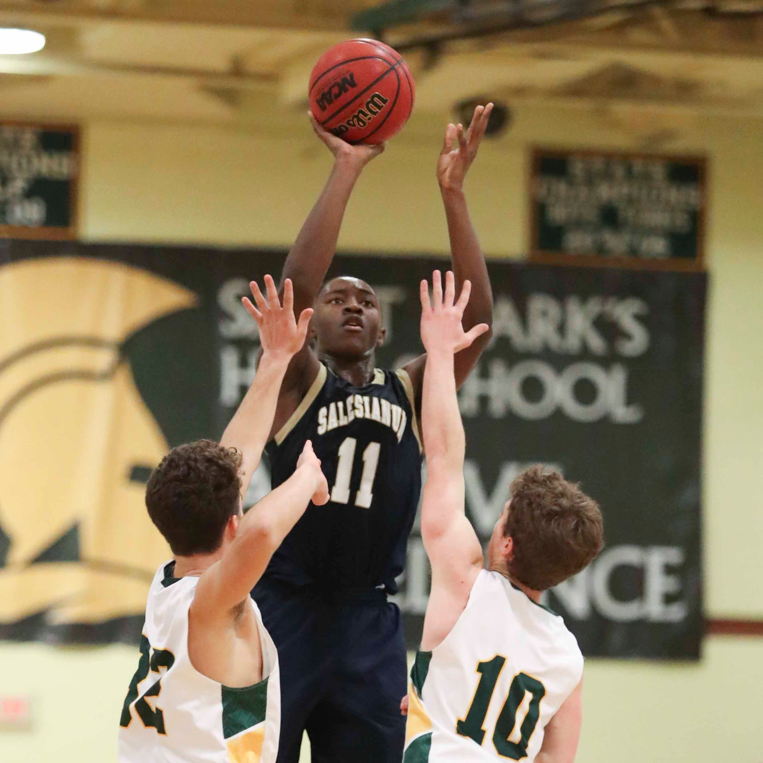Salesianum extends nine-year basketball winning streak over St. Mark's