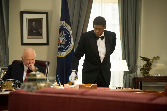 """Robin Williams as Dwight Eisenhower, left, and Forest Whitaker as Cecil Gaines in a scene from """"Lee Daniels' The Butler."""""""