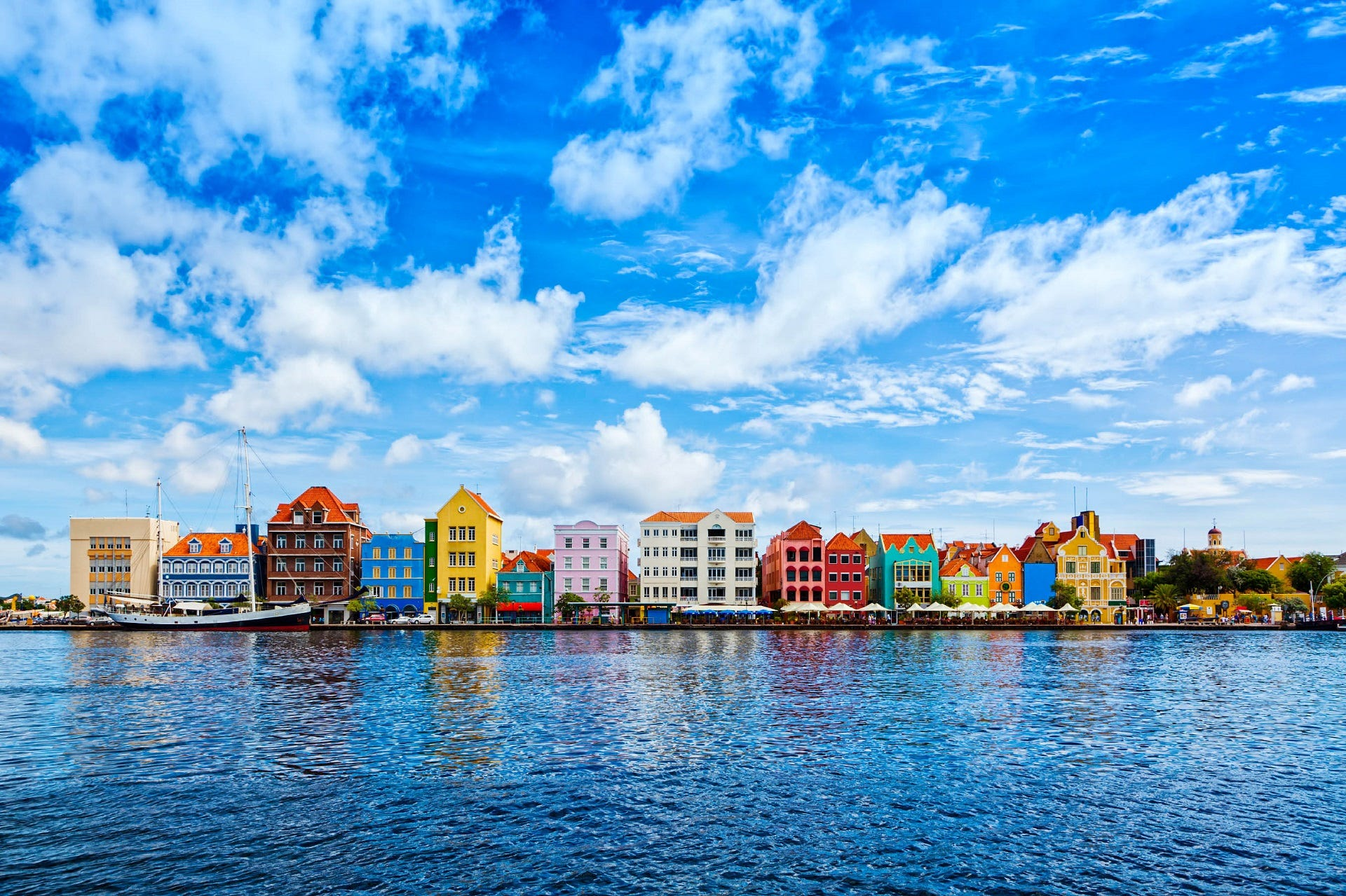 Five romantic resorts in Curaçao