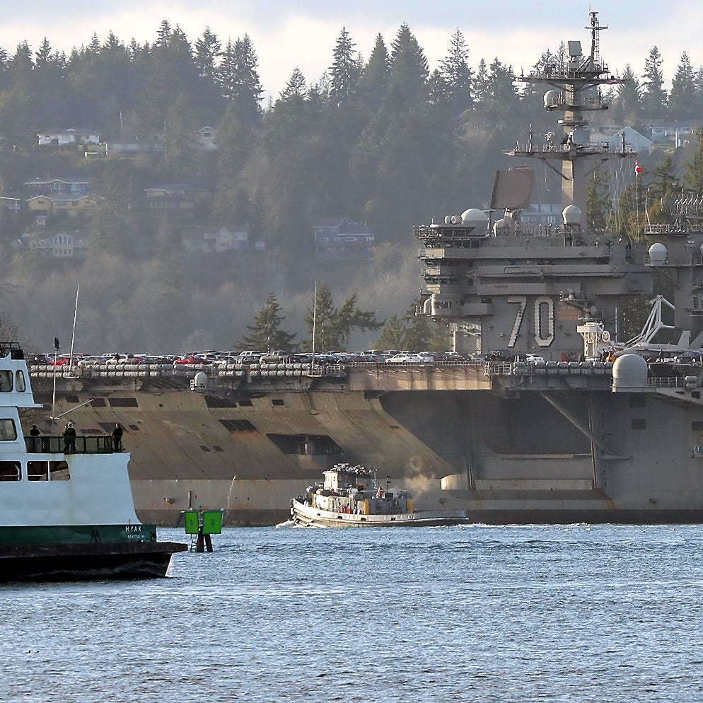 USS Carl Vinson pulls into its new Bremerton homeport