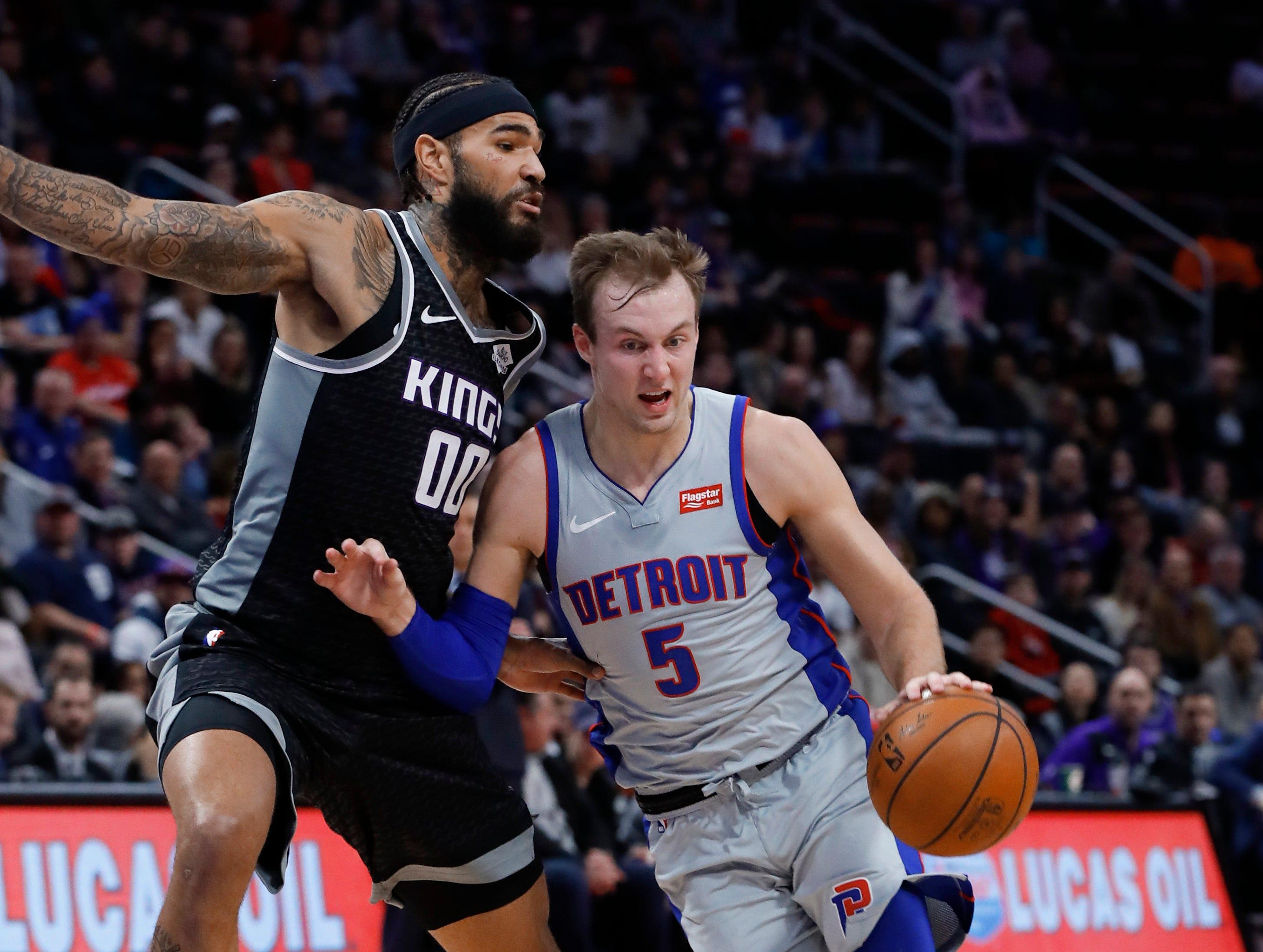 Detroit Pistons guard Luke Kennard (5) drives on Sacramento Kings center Willie Cauley-Stein (00) during the first half of an NBA basketball game in Detroit, Saturday, Jan. 19, 2019.