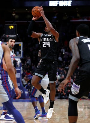 Sacramento Kings guard Buddy Hield (24) shoots the winning 3-point basket.