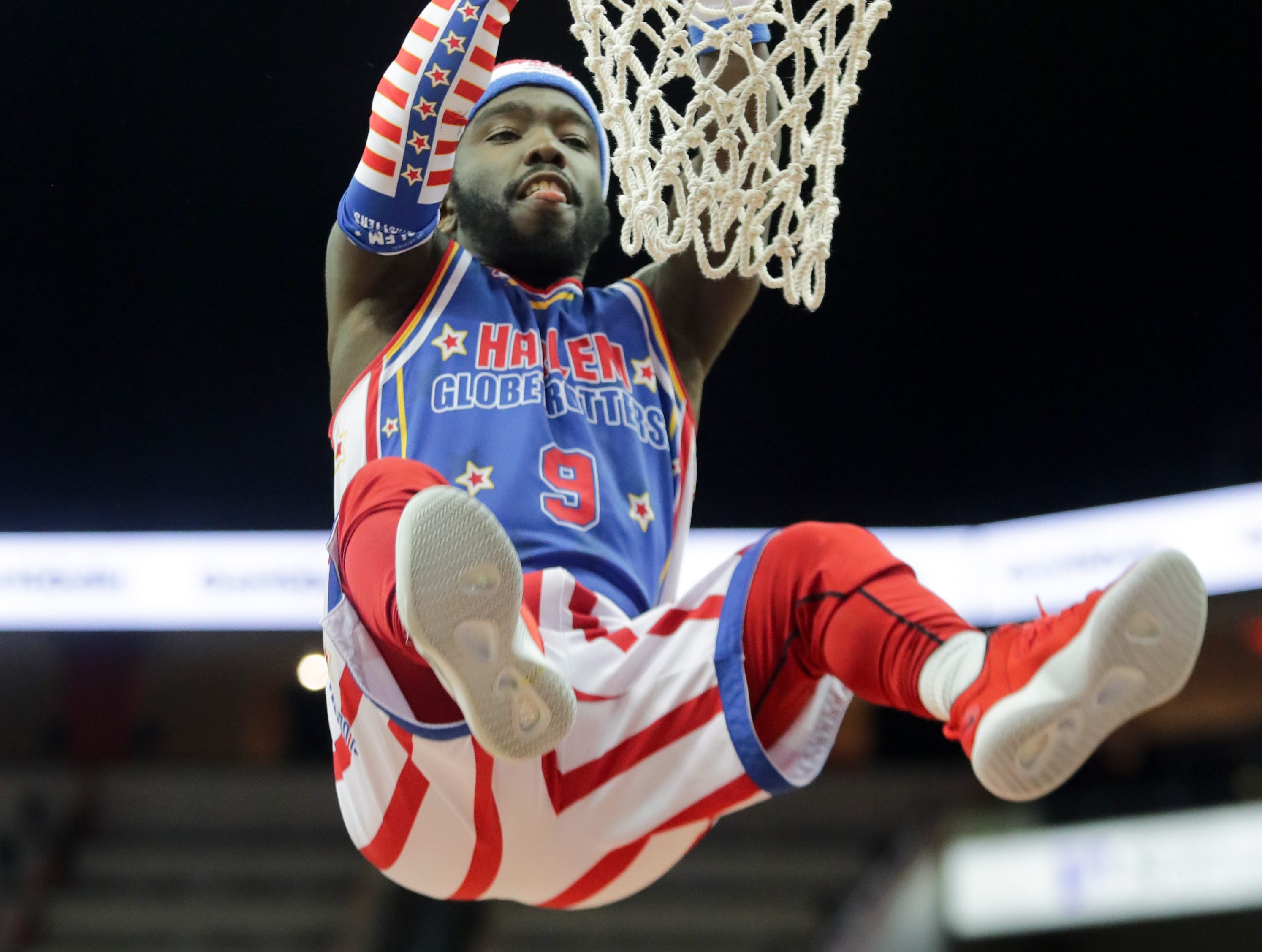 Harlem Globetrotters' Hot Shot with the dunk. Jan. 19, 2019