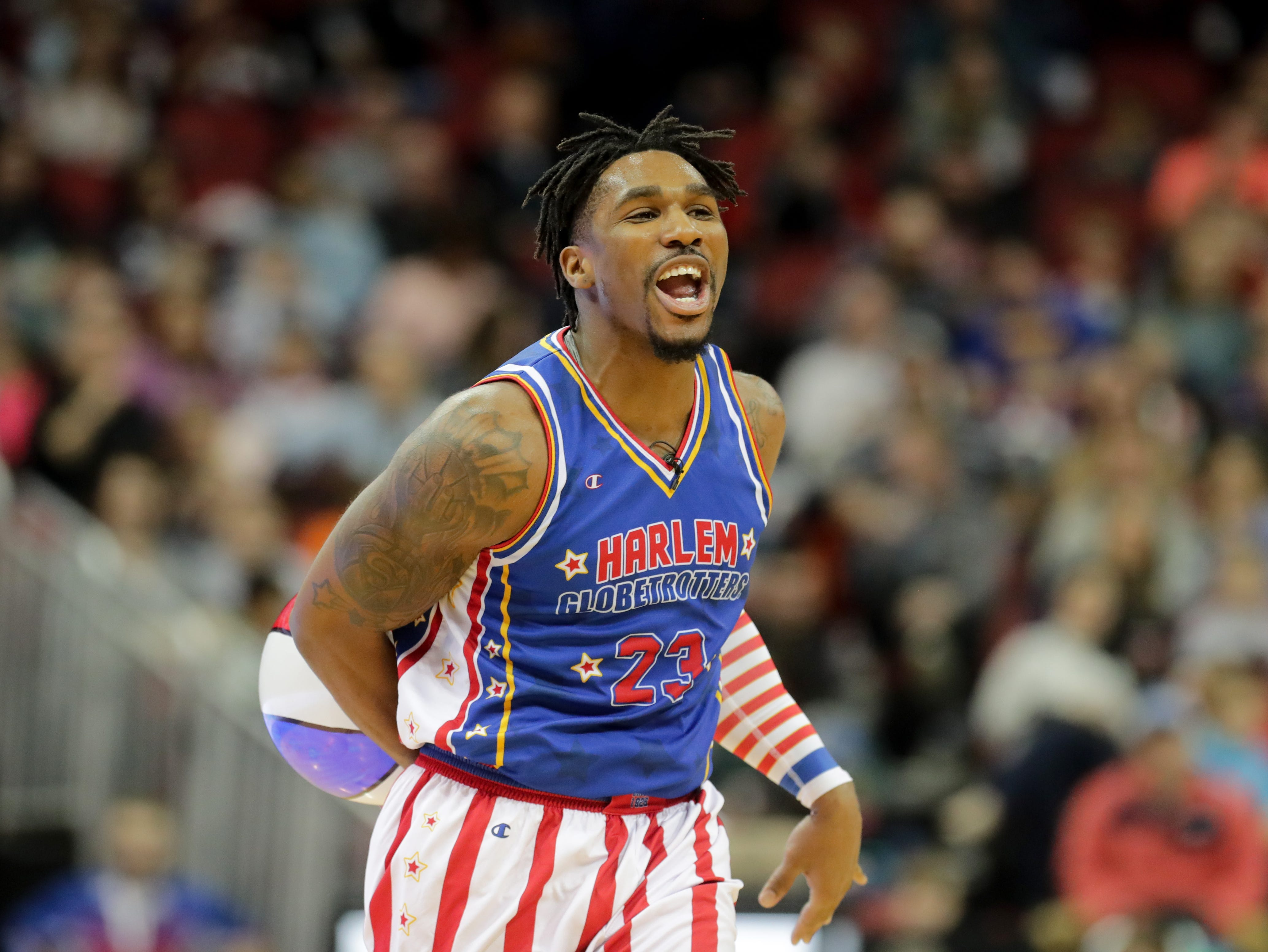 Harlem Globetrotters' Thunder brings a new ball out for the Generals. Jan. 19, 2019