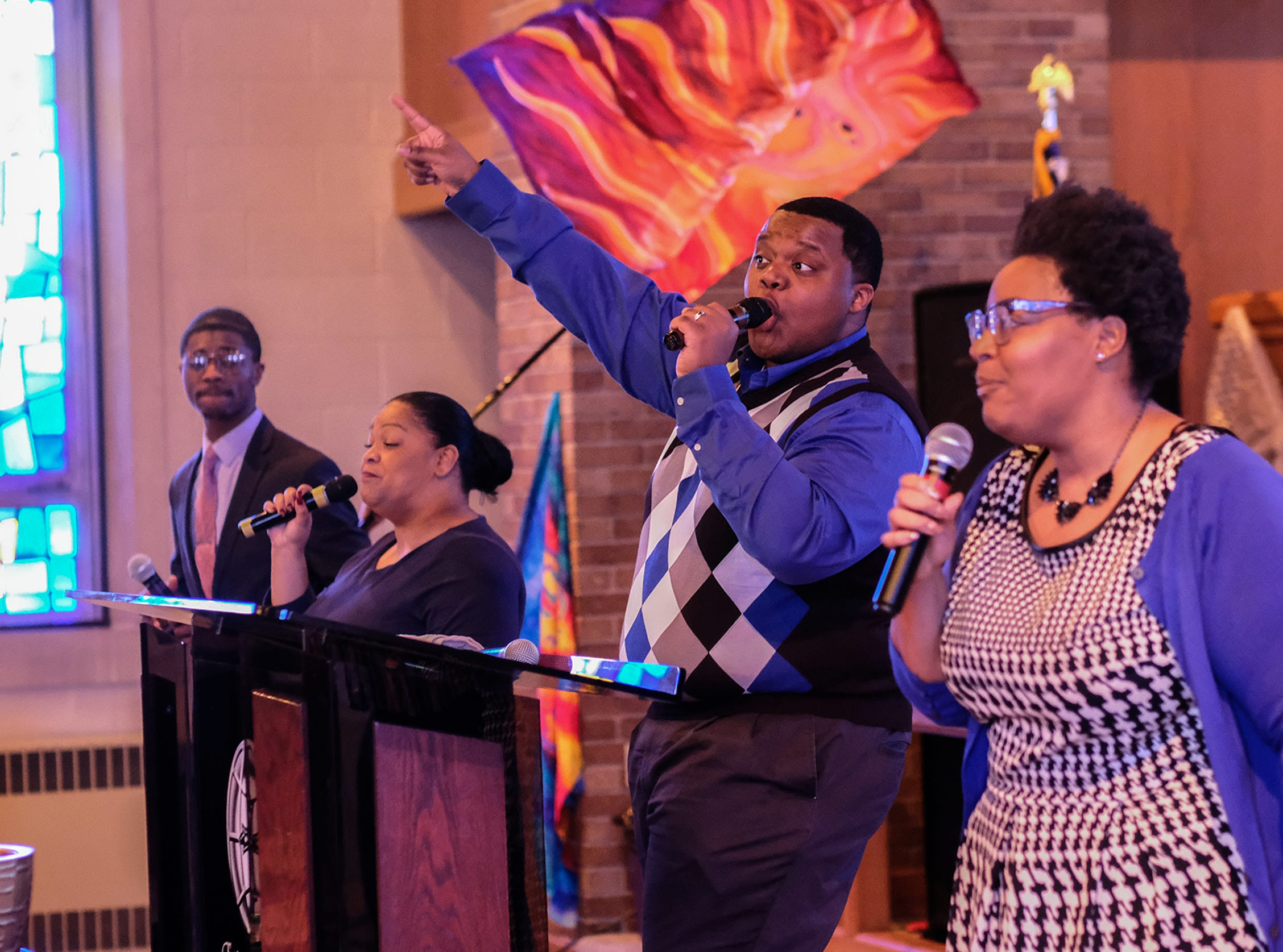 The Epicenter of Worship choir leads the service in song Sunday, Jan. 20, 2019.