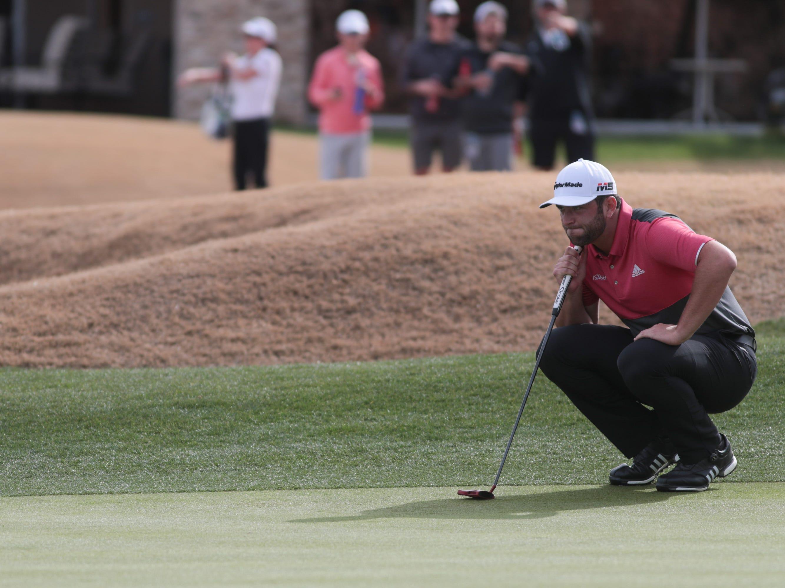 Jon Rahm putts on the 7th hole of the 2019 Desert Classic, Sunday, January 20, 2019.