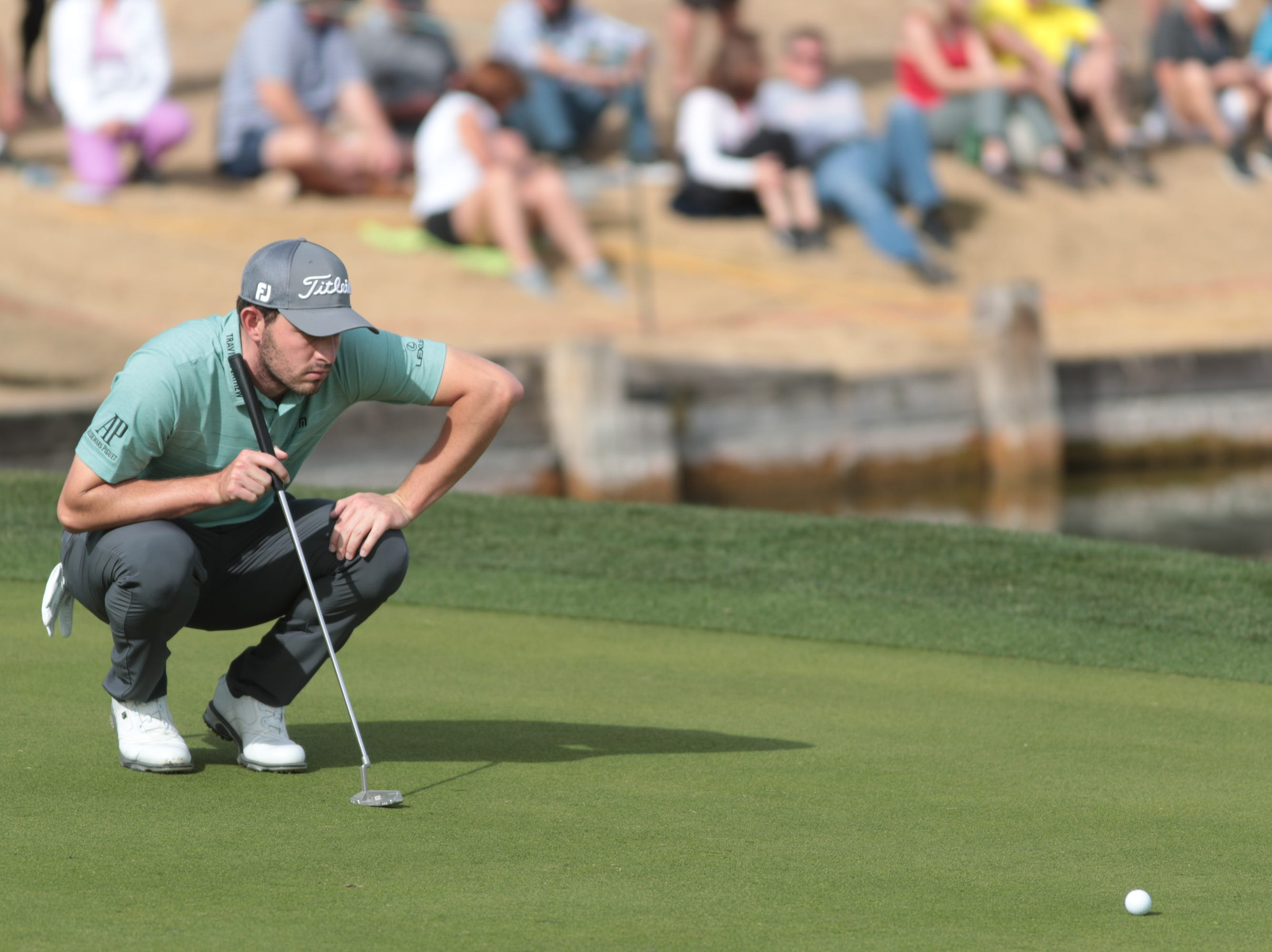 Patrick Cantlay putts on the 7th hole of the 2019 Desert Classic, Sunday, January 20, 2019.