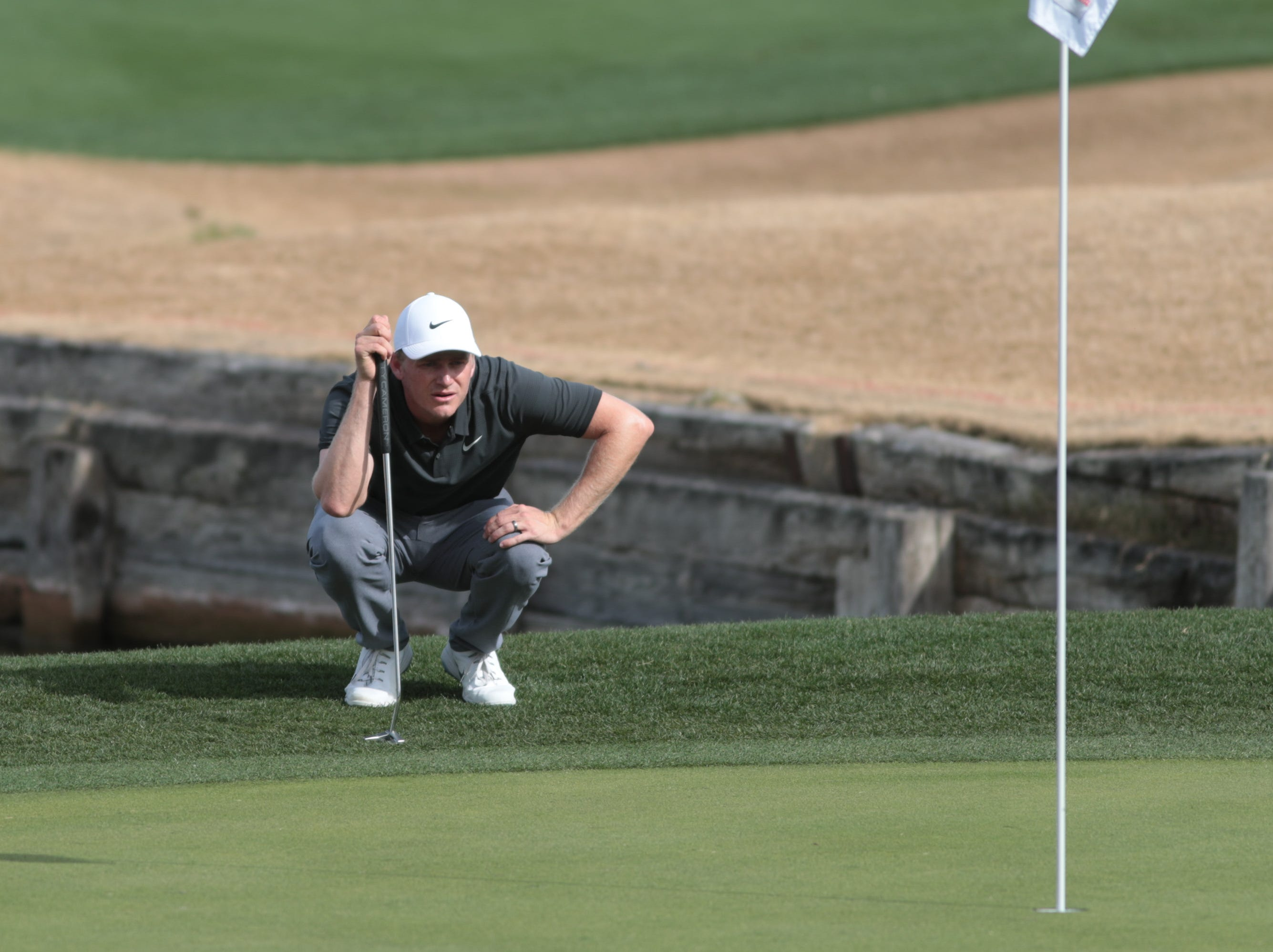 Adam Long putts on the 7th hole of the 2019 Desert Classic, Sunday, January 20, 2019.
