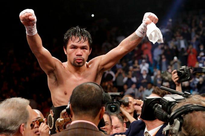 Manny Pacquiao celebra la victoria luego de acabar con Adrien Broner el 19 de enero en Las Vegas.