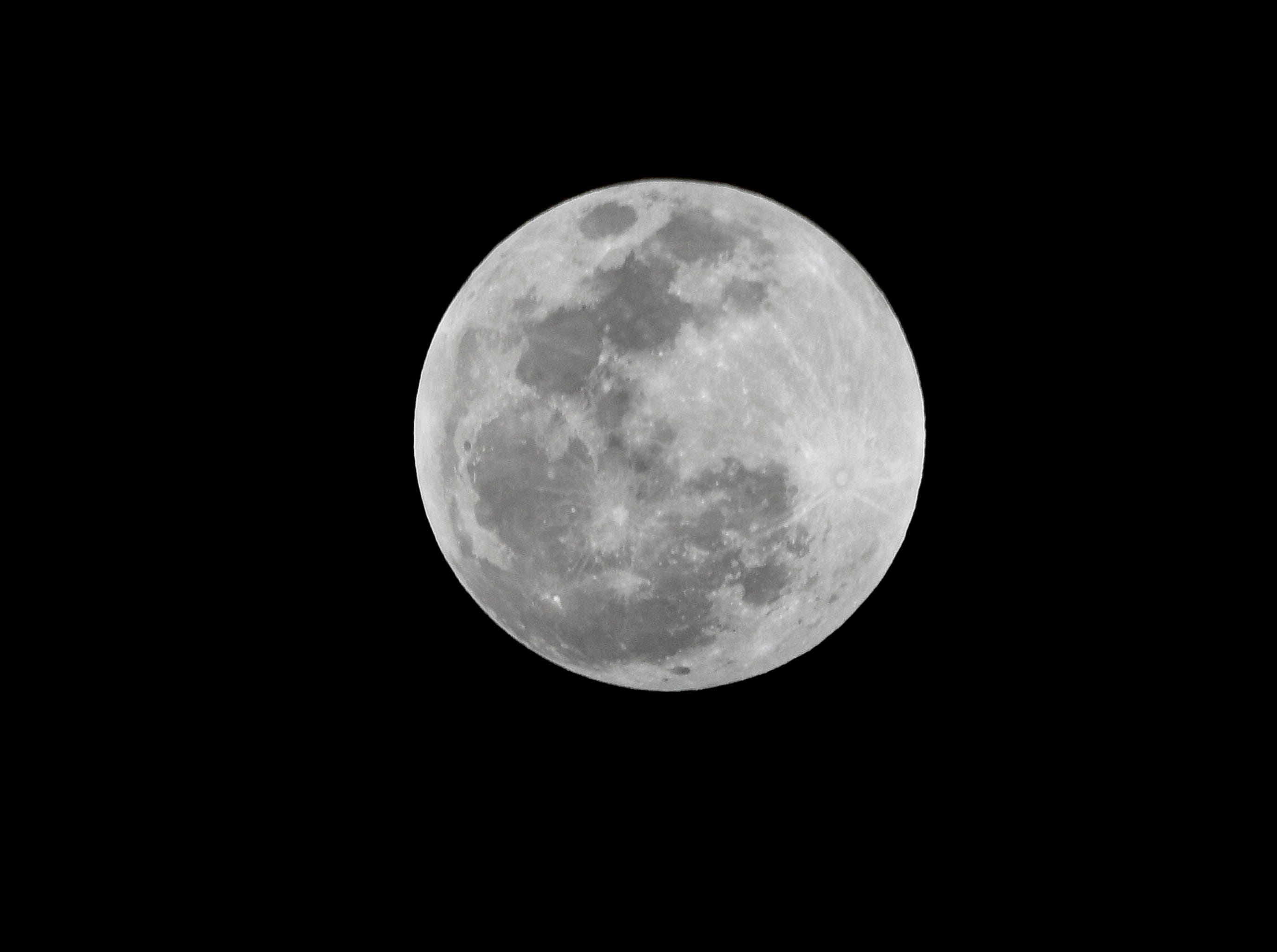 The Super Blood Wolf Moon shines over Brevard County Sunday evening and Monday morning