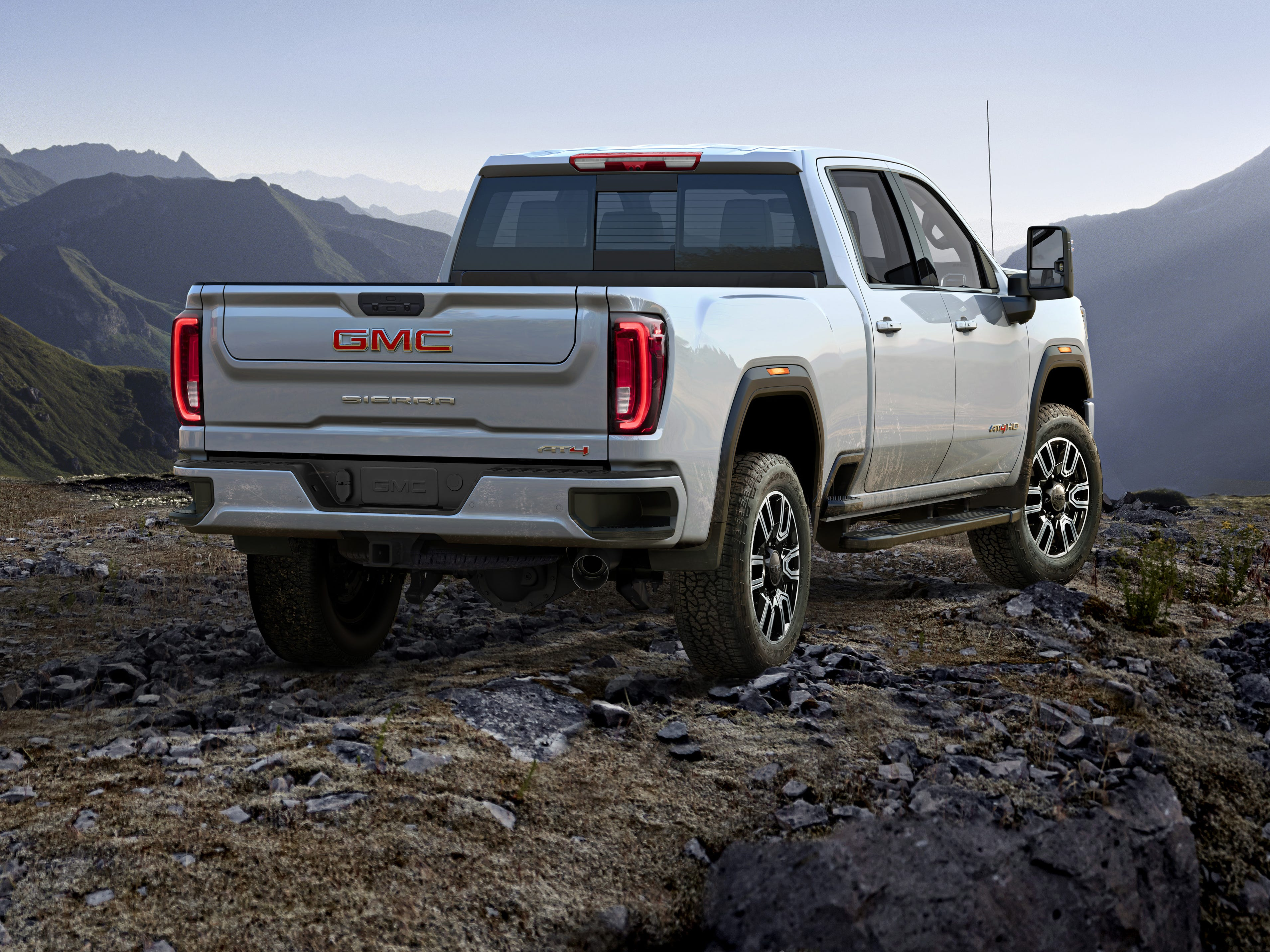 The 2020 Sierra HD has a commanding, powerful design rooted in a new architecture with larger proportions. It is taller and longer, with a more confident stance defined by a bold design that epitomizes GMC's signature refinement and technologically driven attention to detail.