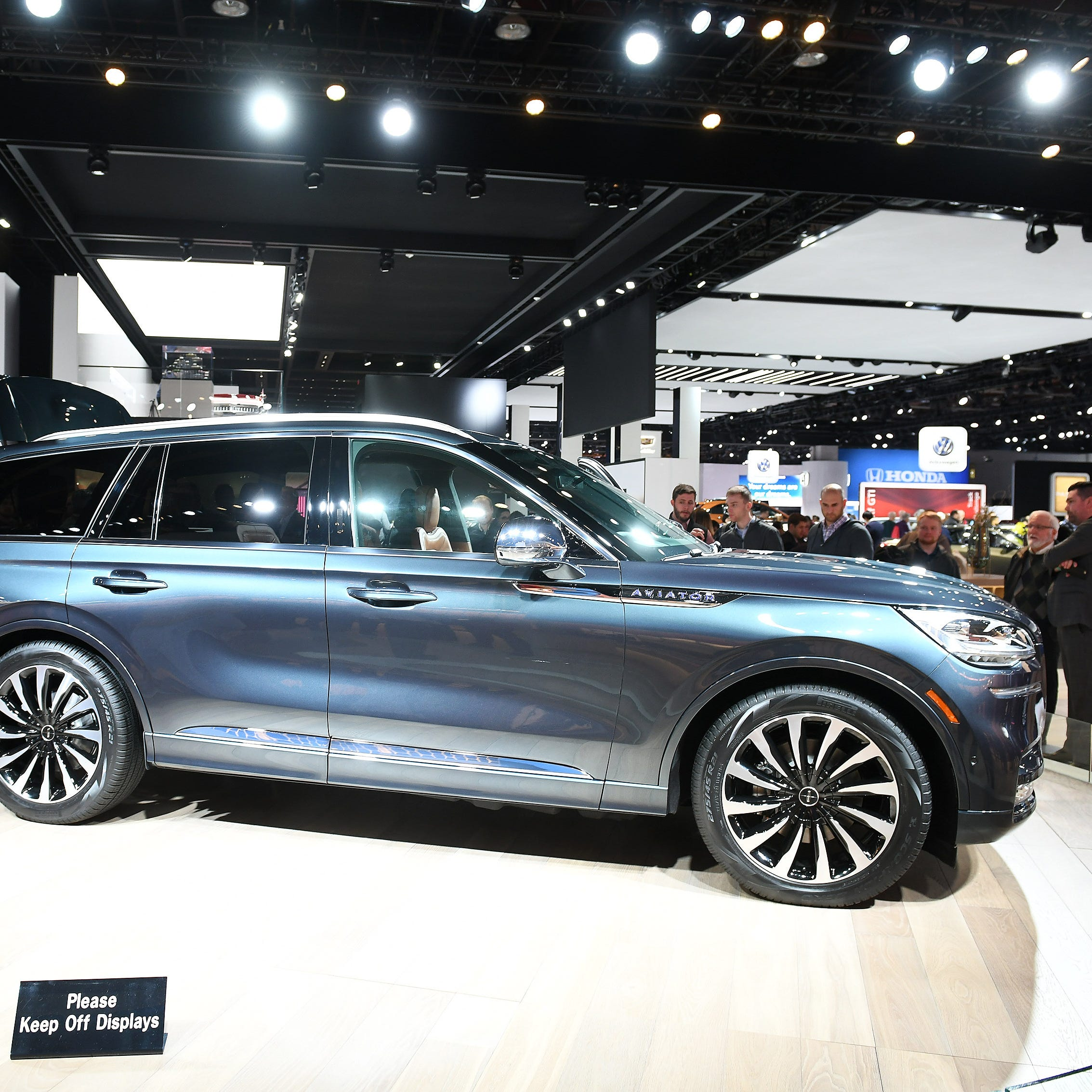 Lincoln Aviator wins top Readers' Choice award at auto show