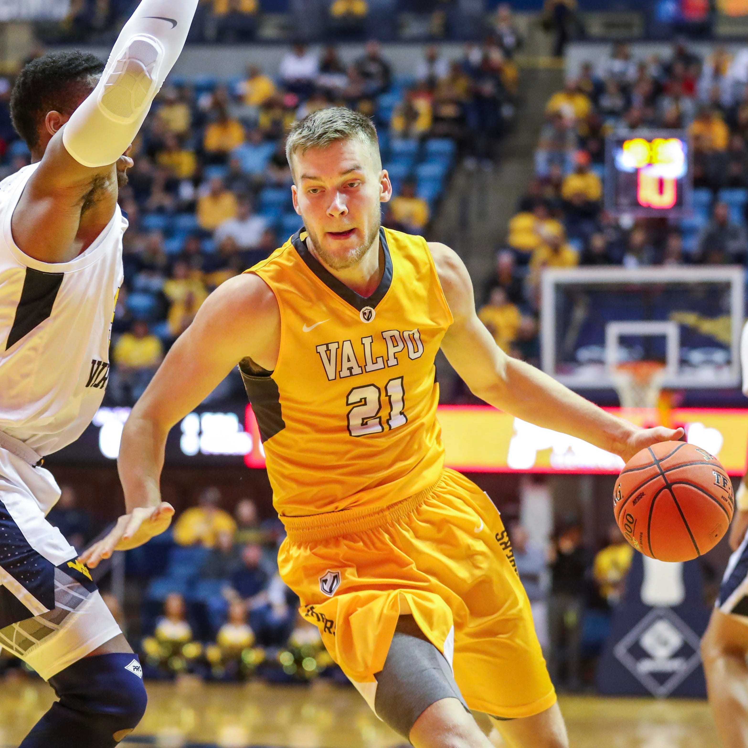 Valpo center Derrik Smits, son of Pacers legend Rik Smits, declares for the NBA Draft
