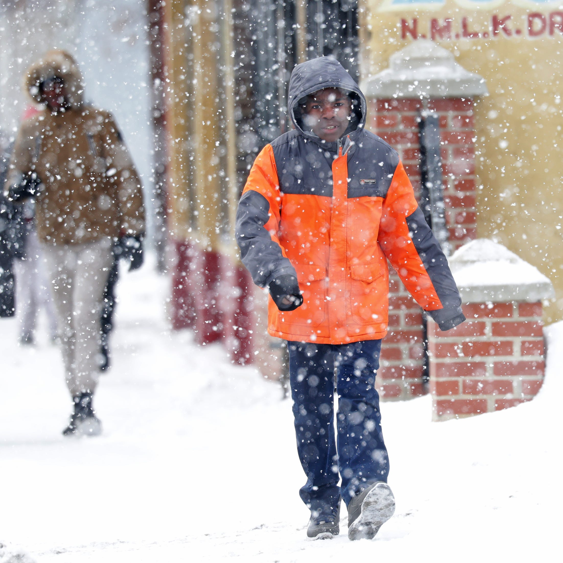 Wet, sloppy storm expected to hit Wisconsin Tuesday; afternoon commute could get nasty
