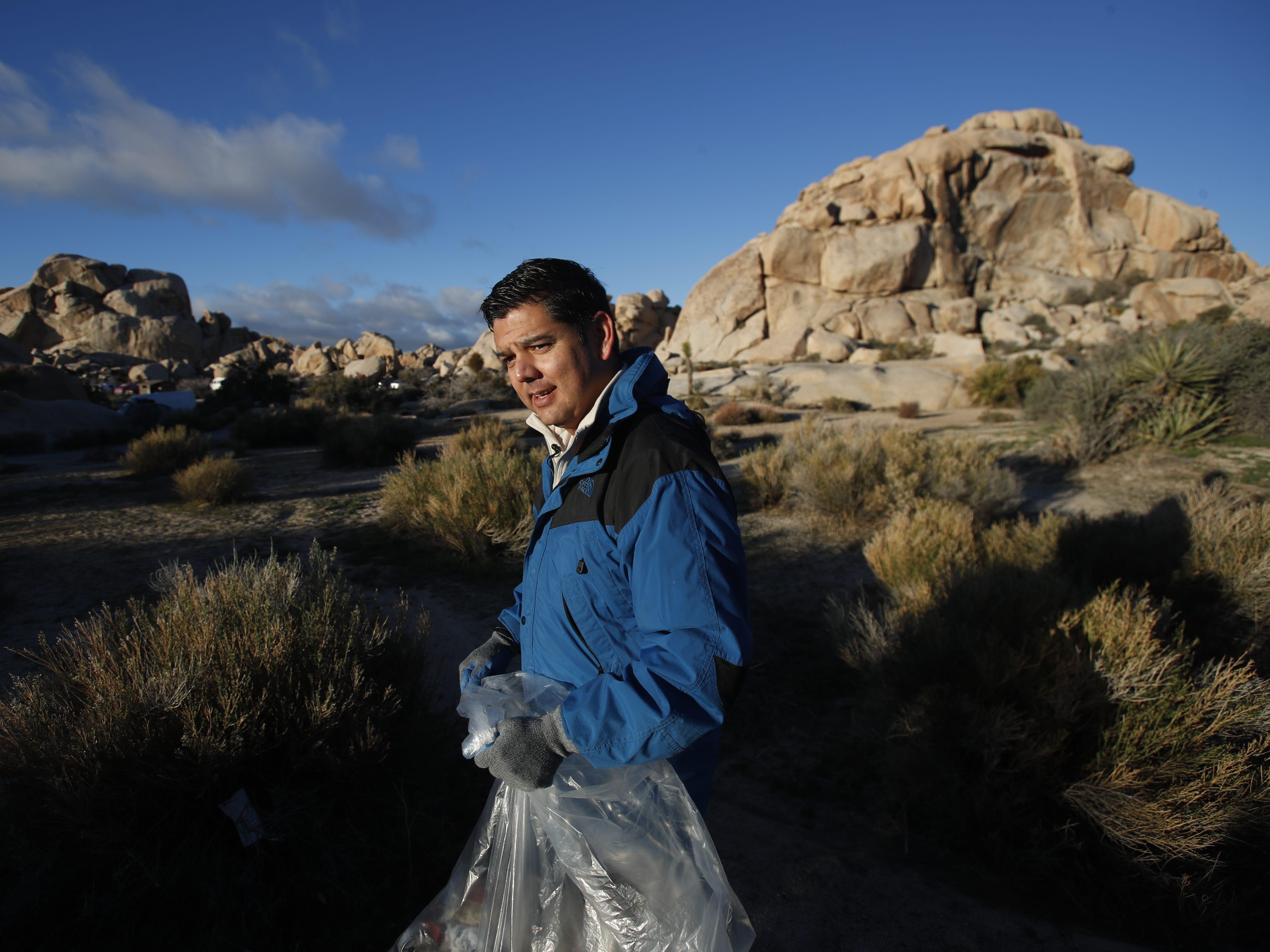 At Joshua Tree National Park, Rep. Raul Ruiz surveys effects of government shutdown