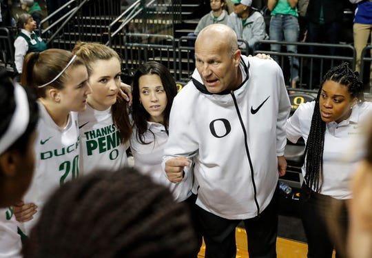 Oregon head coach Kelly Graves talks to the team before an NCAA college basketball game Sunday, Jan. 20, 2019, in Eugene, Ore.