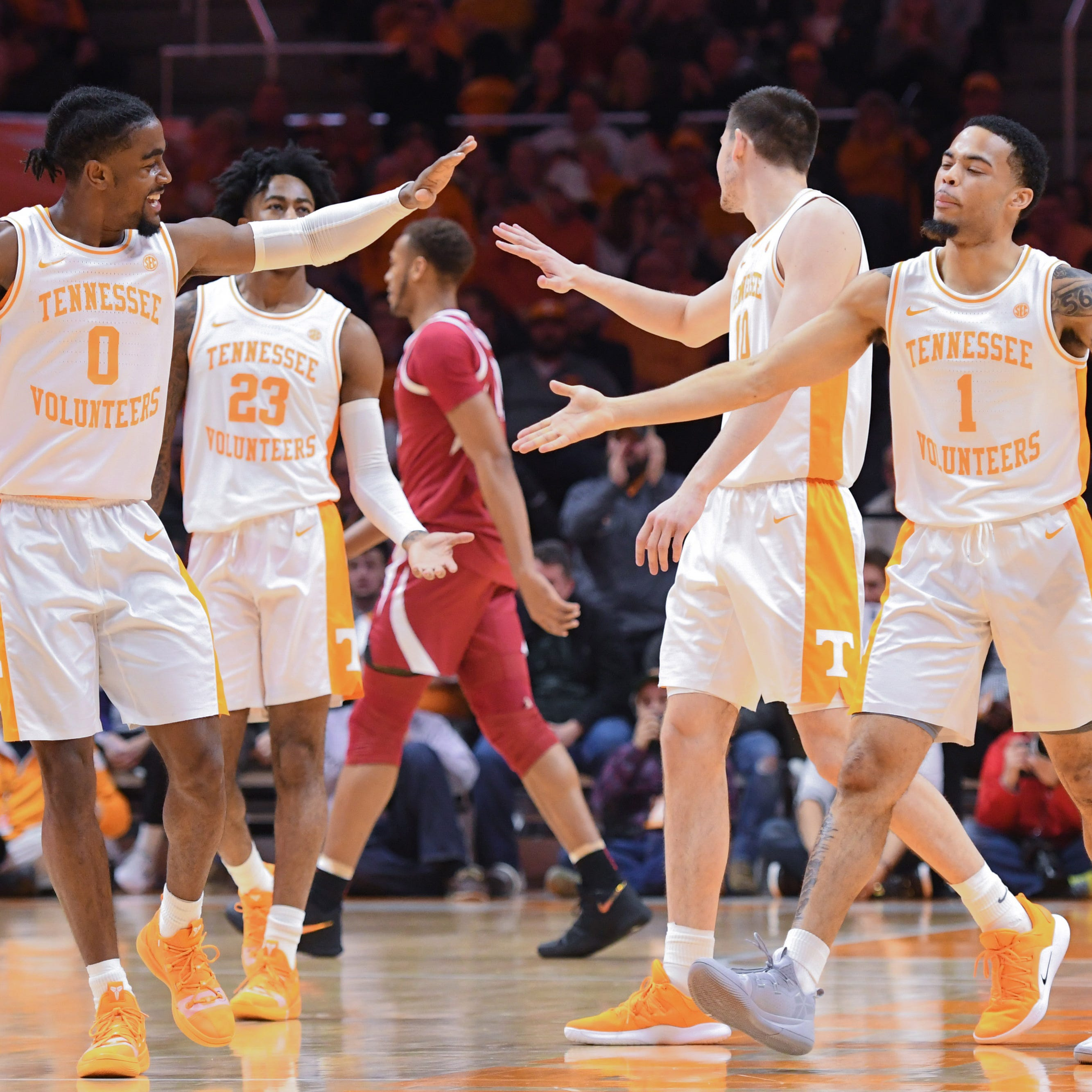 Tennessee moves into No. 1 spot in the USA TODAY Sports men's basketball coaches poll