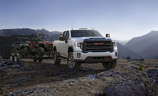 2020 Gmc Sierra Hd Pickup Boasts 15 Camera Views For Towing