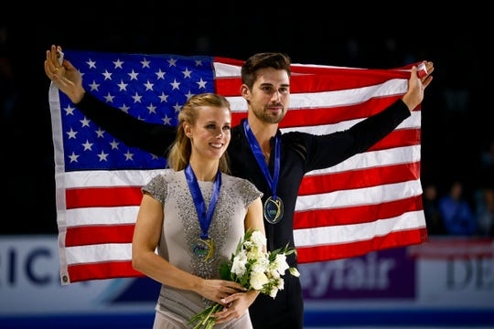 Zachary Donohue and Okemos' Madison Hubbell are the likely favorites in ice dancing this weekend in the U.S. Figure Skating Championships in Detroit.