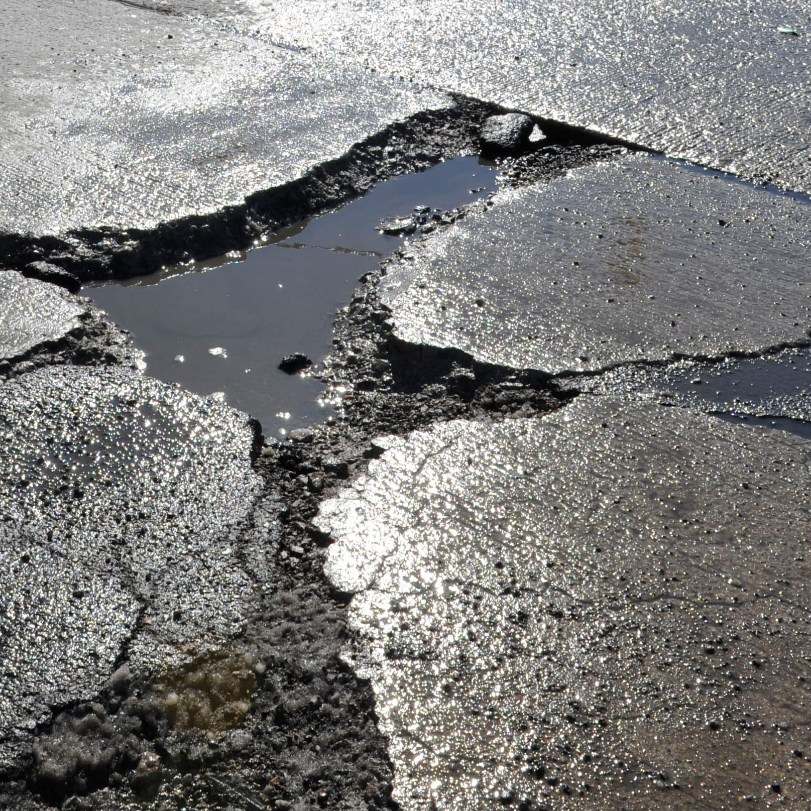 More potholes appear on NB I-75 in Oakland Co.