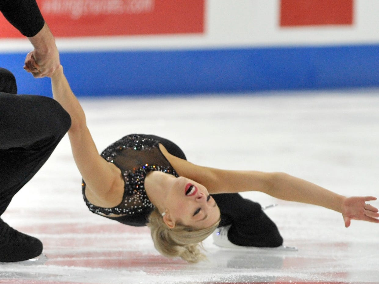 Pairs Alexa Knierim and Christopher practice during the 2019 GEICO U.S. Figure Skating Championship at Little Caesars Arena in Detroit, Tuesday, January 22, 2019.)2019.