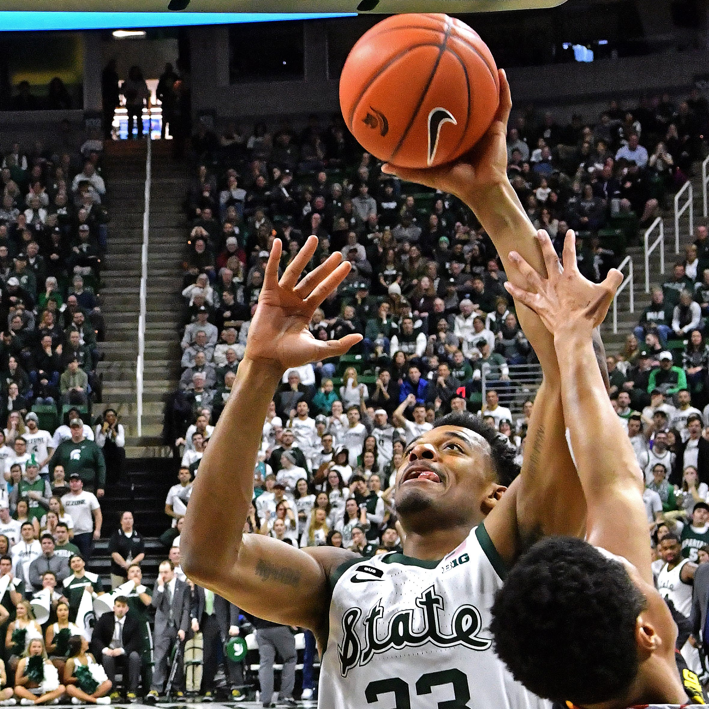 No. 6 Michigan State smothers No. 13 Maryland, seizes first in Big Ten