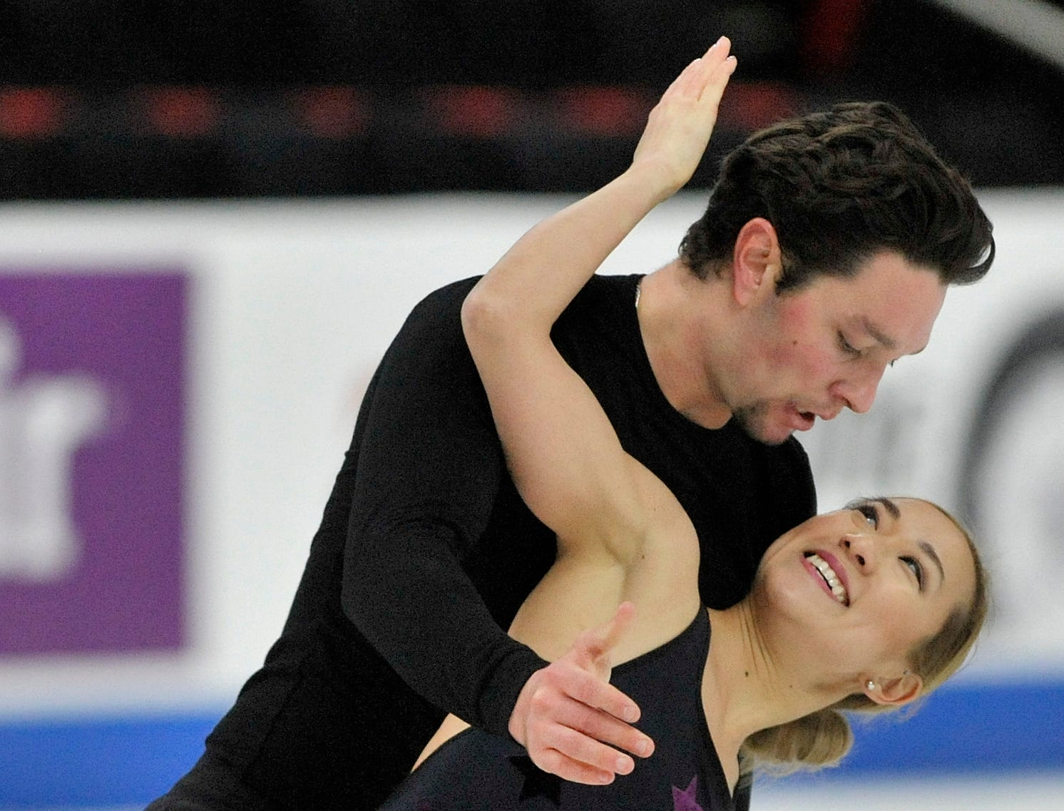Pairs Erika Smith and AJ Reiss practice during the 2019 GEICO U.S. Figure Skating Championship at Little Caesars Arena in Detroit, Tuesday, January 22, 2019.