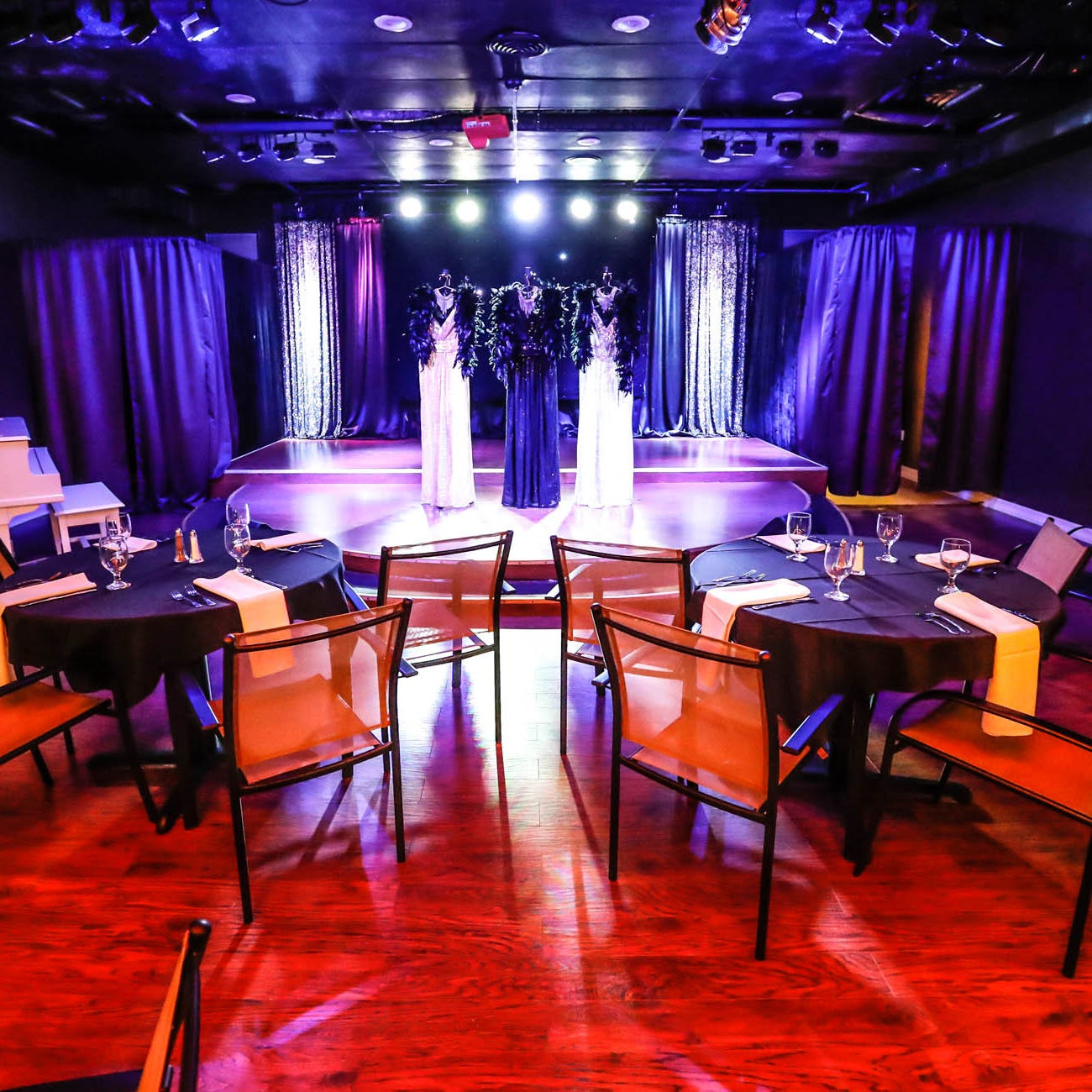 Now you can get brunch and dinner at Greenwood's cabaret theater