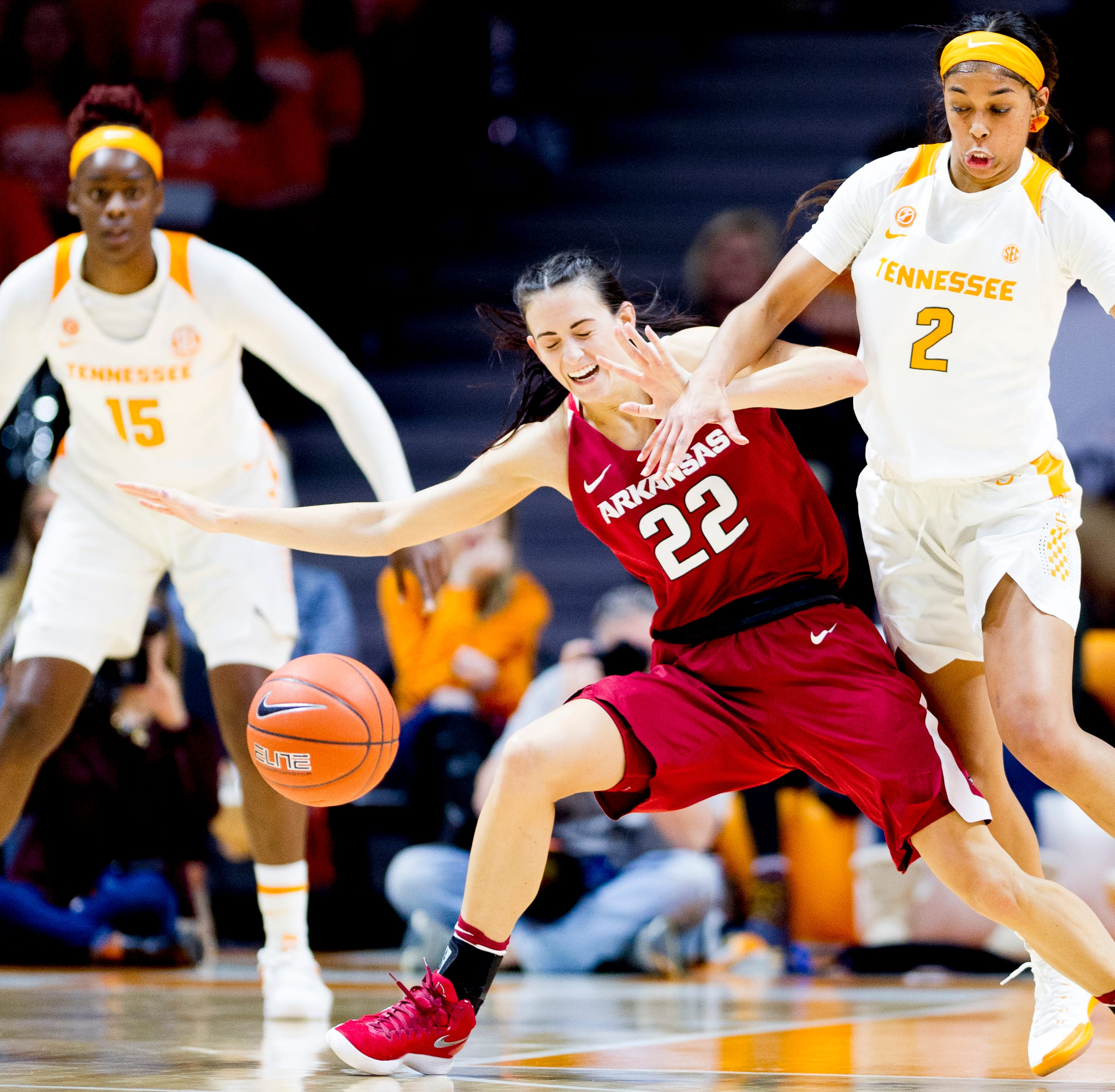 UT Lady Vols lose fifth in a row, falling to Arkansas 80-79 after dropping out of AP poll