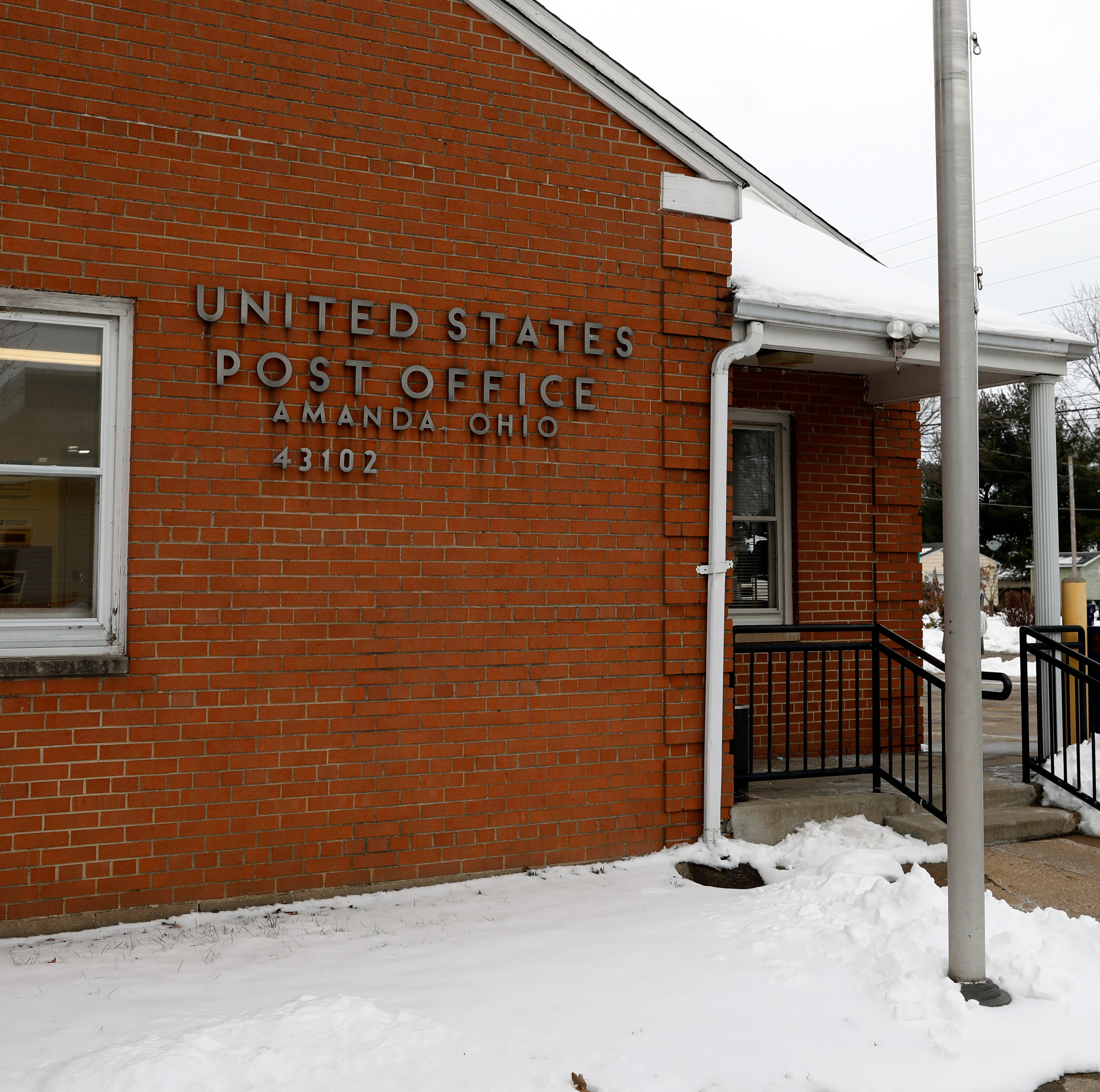 Postal contractor robbed at gunpoint at Amanda post office