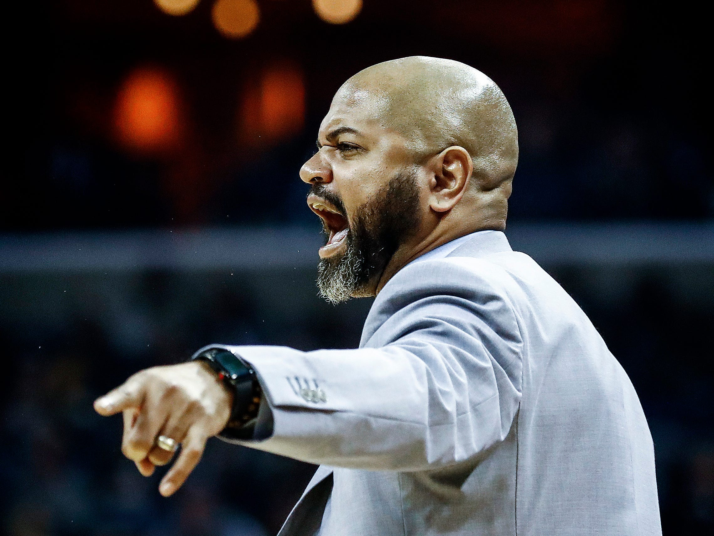 Memphis Grizzlies coach J.B. Bickerstaff during action against New Orleans Pelicans at the FedExForum in Memphis, Tenn., Monday, January 21, 2019.