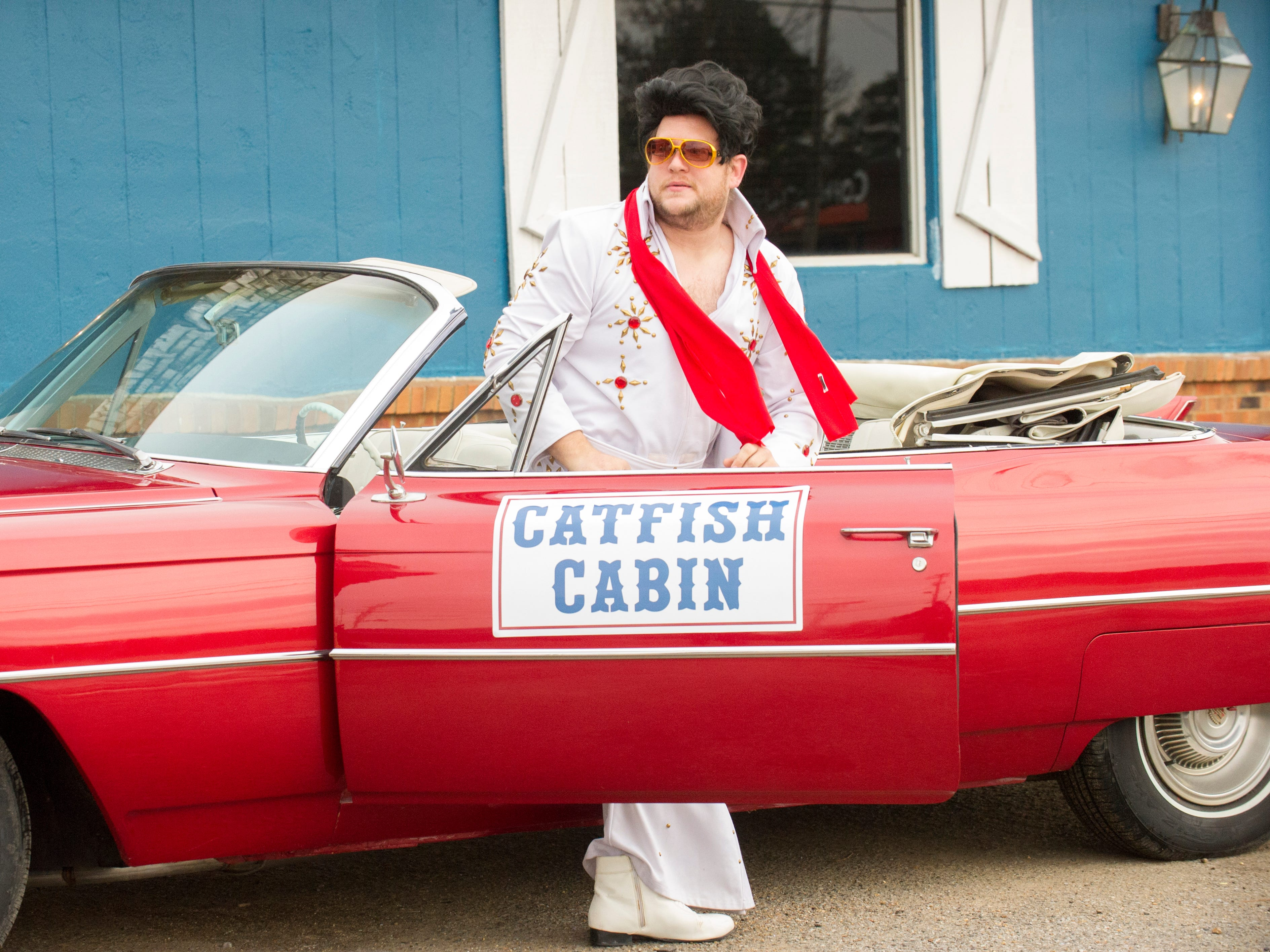 "GORDON RAMSAY'S 24 HOURS TO HELL AND BACK: Elvis makes an appearance in the ""Catfish Cabin"" episode of GORDON RAMSAY'S 24 HOURS TO HELL AND BACK airing Wednesday, Jan. 23 (8:00-9:00 PM ET/PT) on FOX.© 2019 FOX Broadcasting."