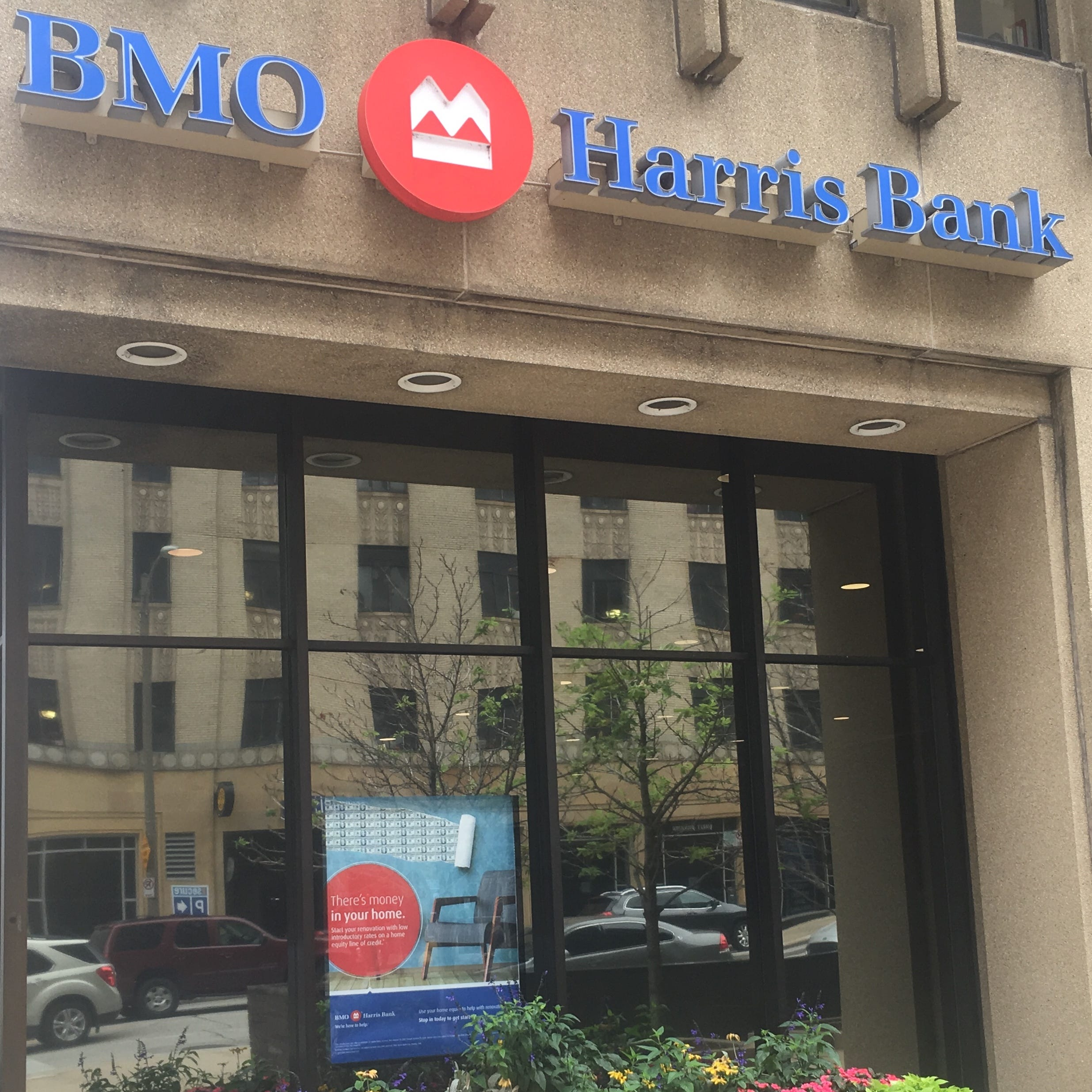 Some BMO Harris Bank customers have reported a problem accessing the bank's new digital app.
