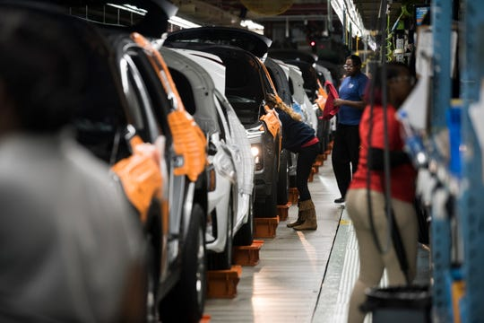Workers assemble vehicles at the Hyundai plant in Montgomery, Ala., on Friday, Jan. 18, 2019.