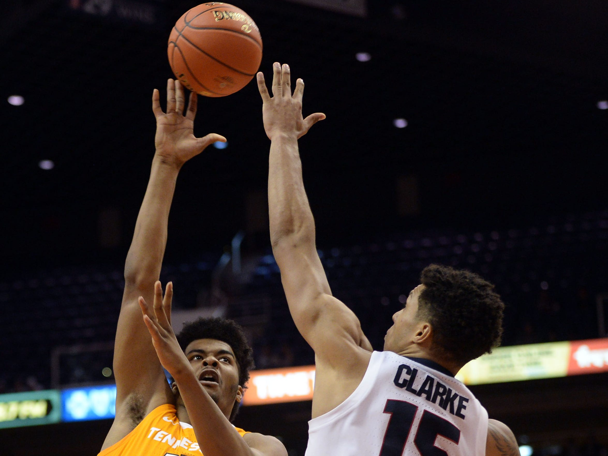 Tennessee Volunteers forward Derrick Walker (15) shoots over Gonzaga Bulldogs forward Brandon Clarke (15) during the first half at Talking Stick Resort Arena.