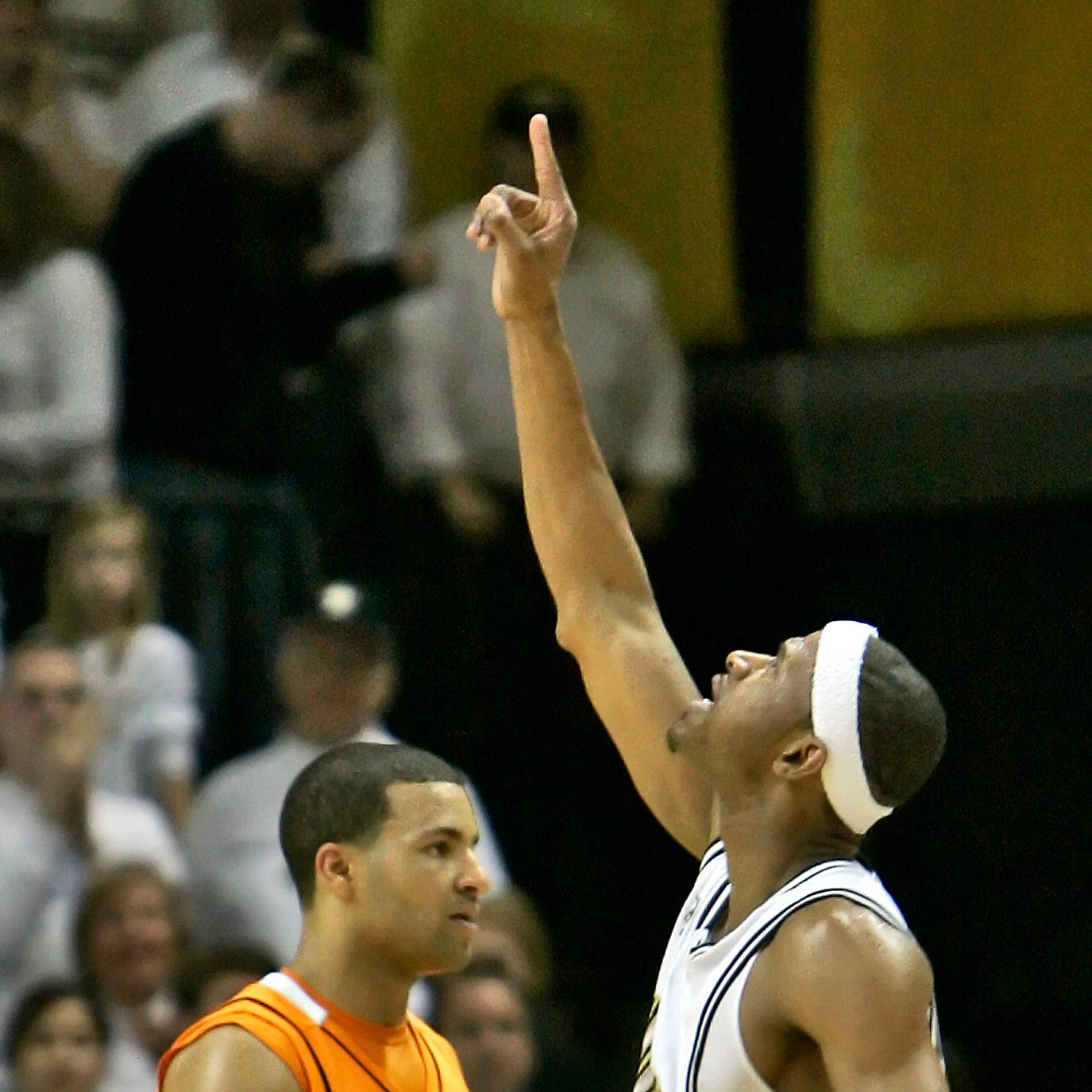 UT Vols basketball has to beat Vanderbilt to stay No. 1, just like a decade ago