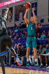 Maddox Daniels leads FSW with a 43 percentage from behind the 3-point line