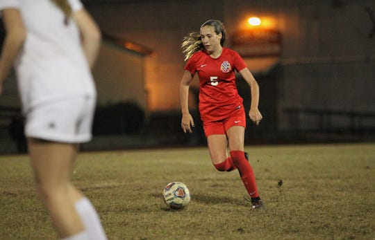 Leon senior Allie Krikorian dribbles in the midfield during a 3-2 loss to Florida High on Jan. 21, 2019.