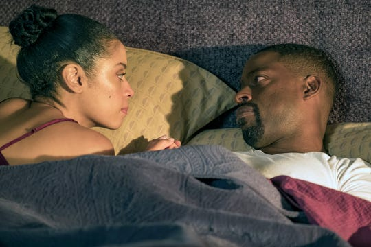"""Susan Kelechi Watson as Beth Pearson and Sterling K. Brown as Randall Pearson on """"This Is Us."""""""