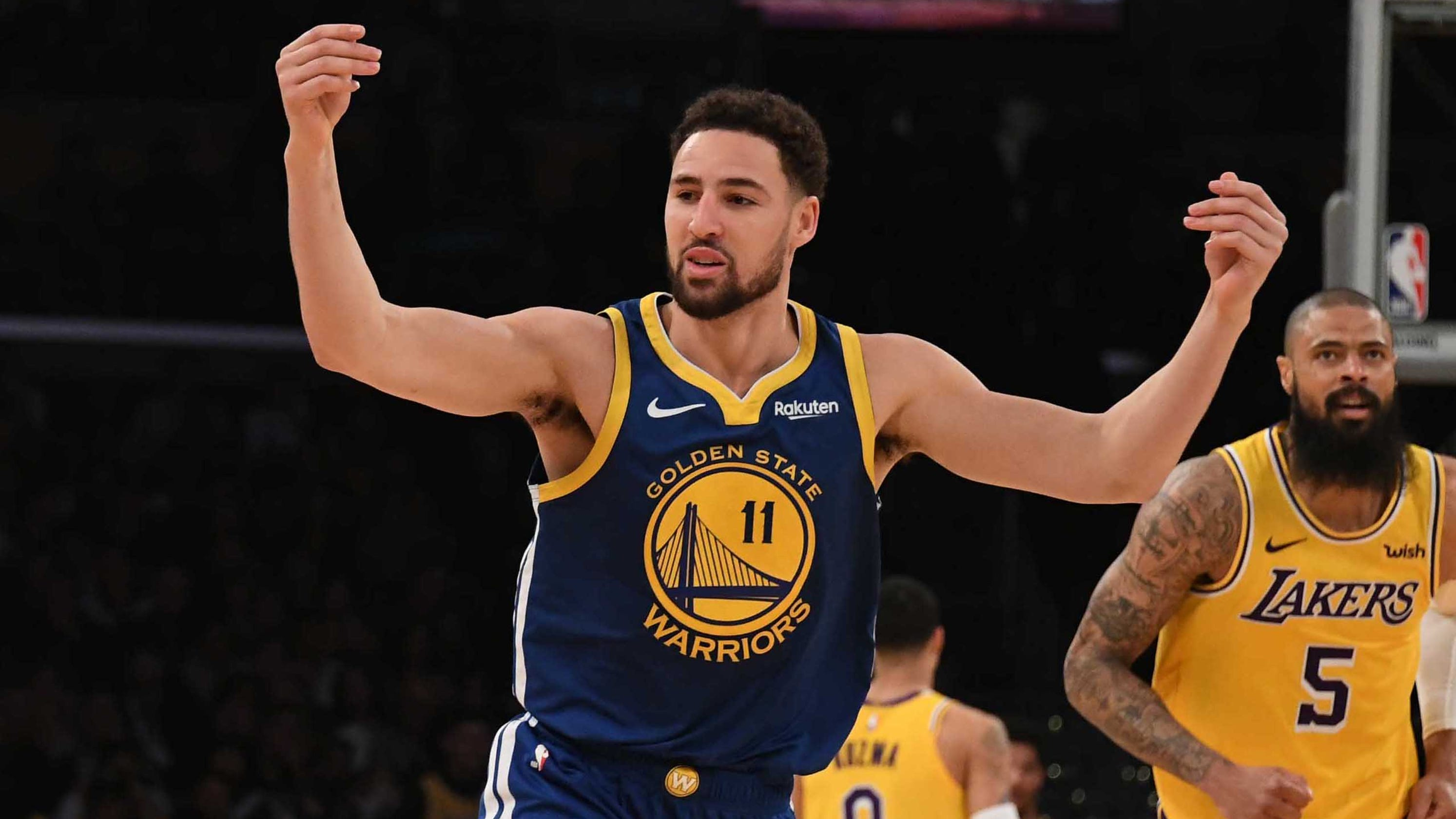 a4c5fec039a Klay Thompson ties NBA record by hitting 10 straight 3-pointers against the  Lakers