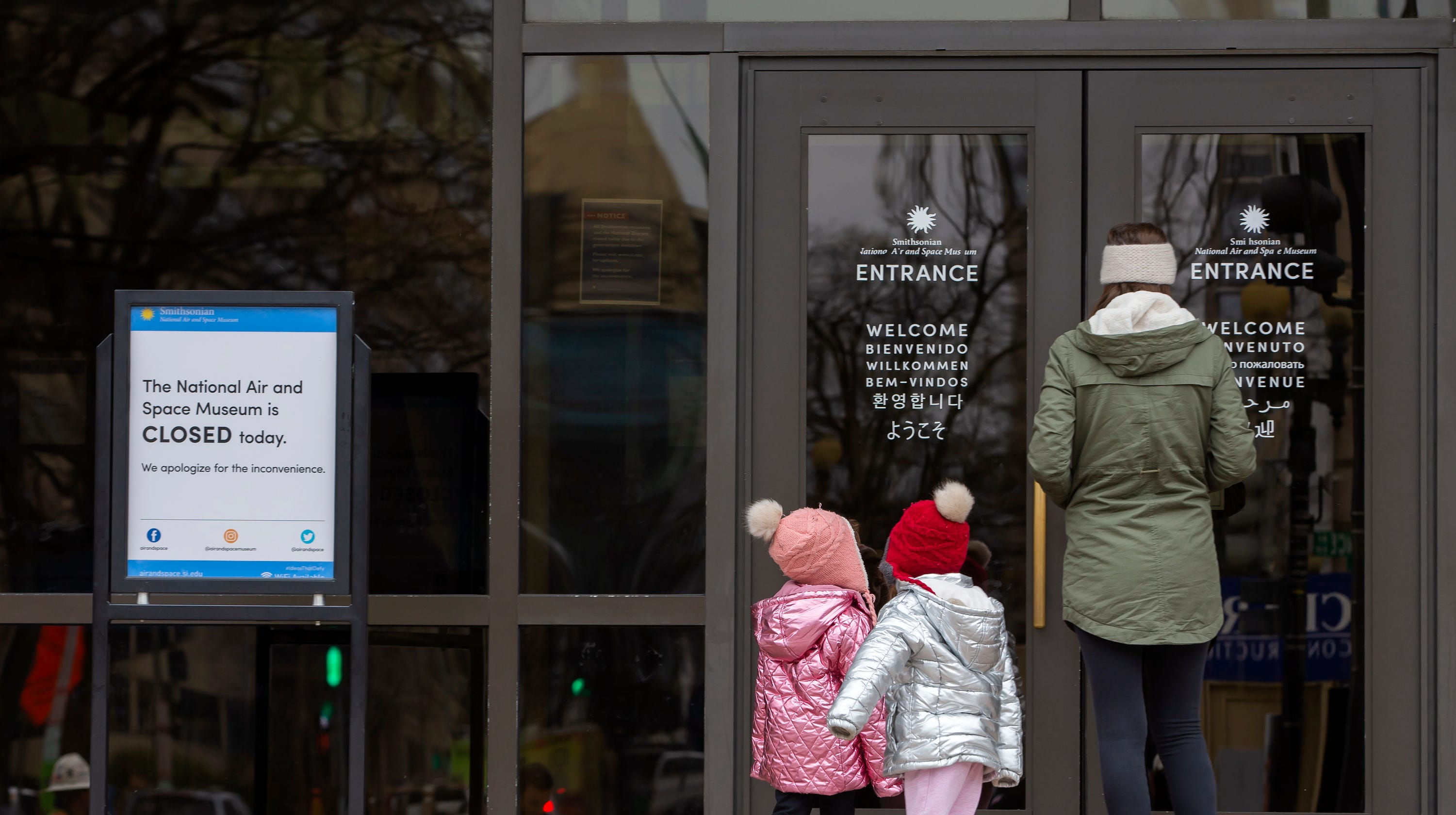 Government shutdown hurts everyone involved with the Smithsonian