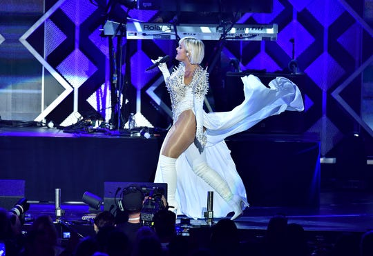 Bebe Rexha says fashion designers are not willing to dress her