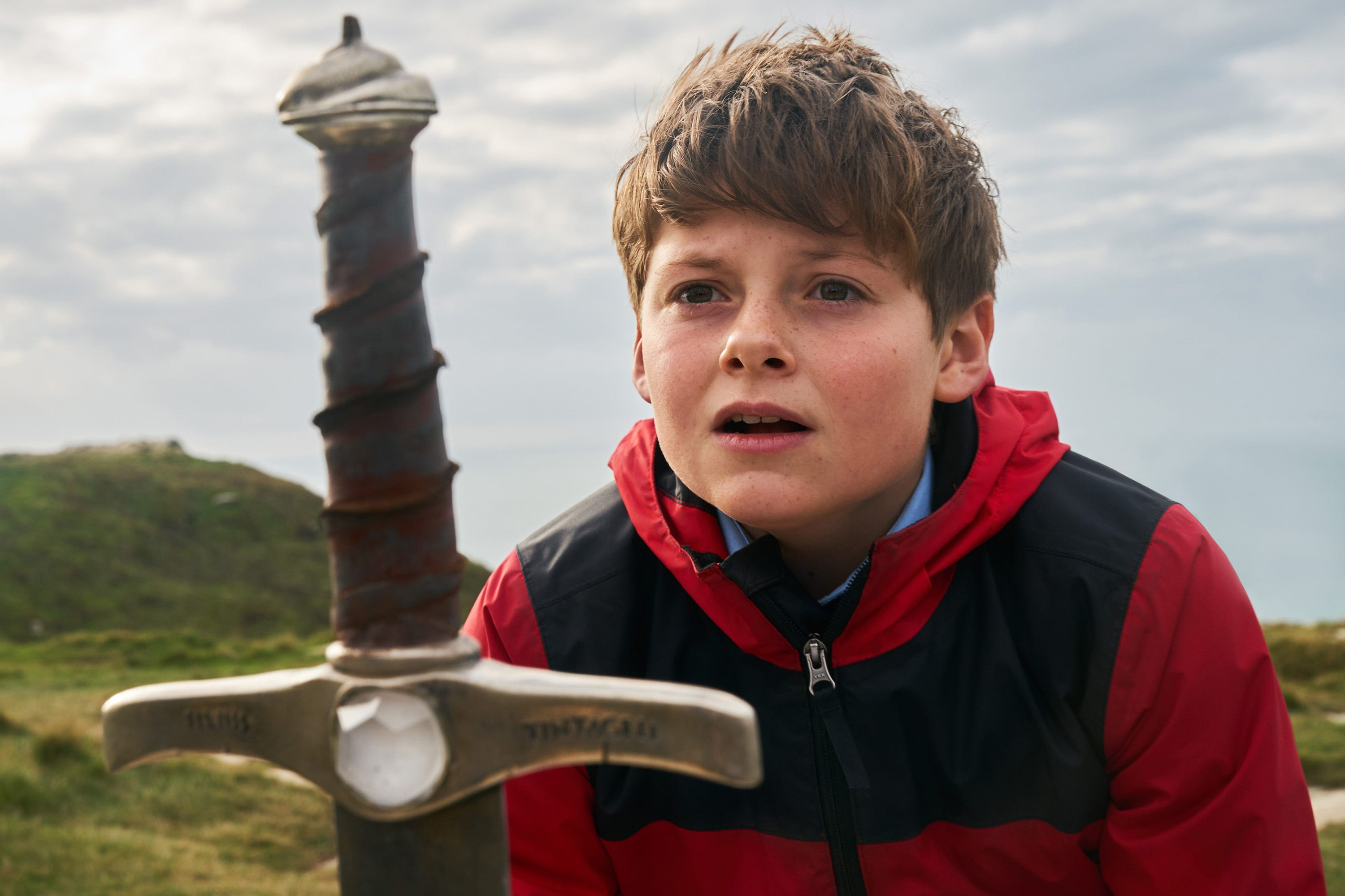 Review: Family-friendly 'The Kid Who Would Be King' revitalizes a familiar legend