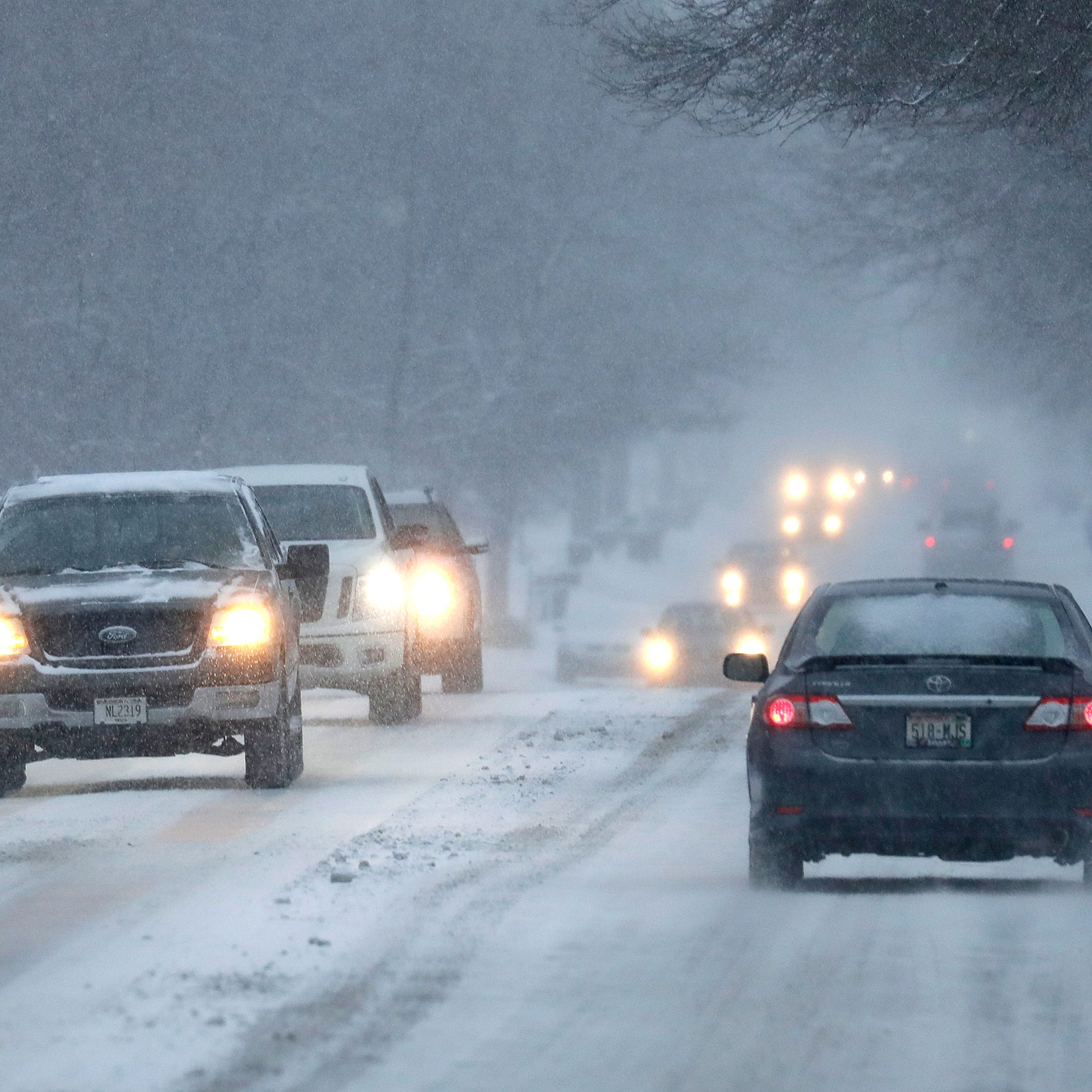 5 things to know for your snowy Wednesday commute to work