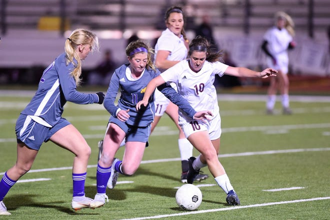 Wylie's Shaelyn Ward (11) scored four goals and added two assists this past week as the Lady Bulldogs snapped a two-game losing streak with a season-high six goals against Dumas.