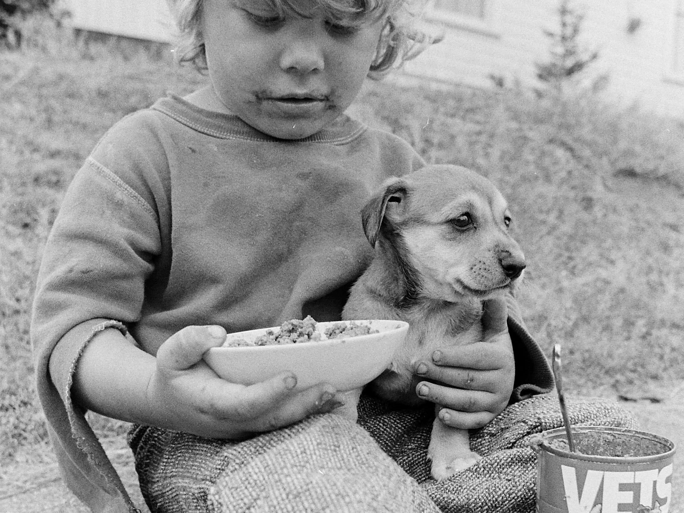 09/18/73Kids With Dog