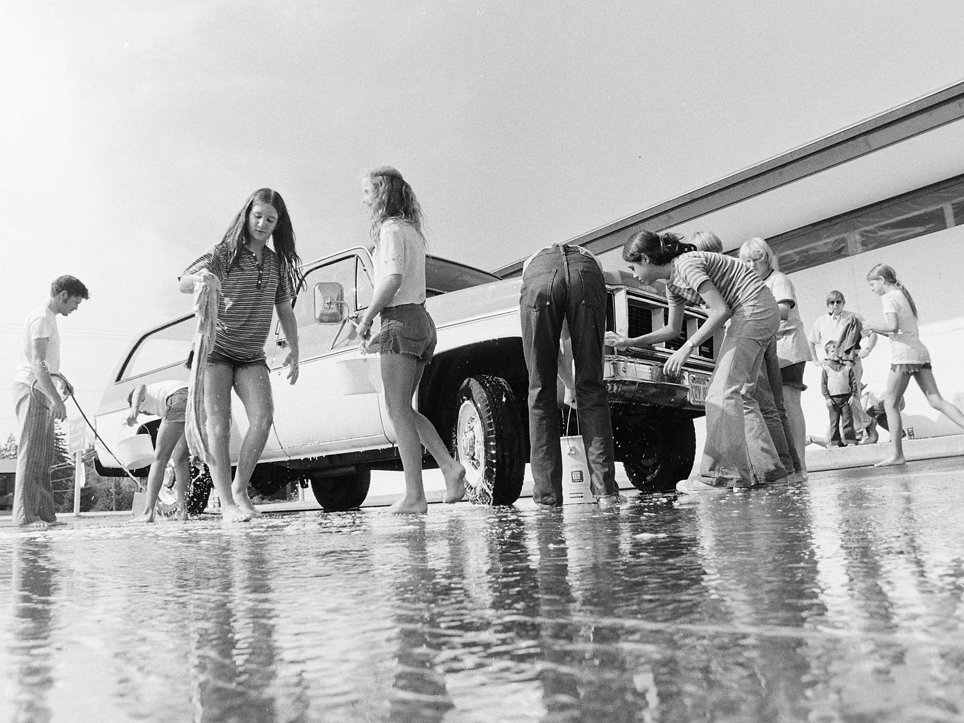 09/17/73Car Wash