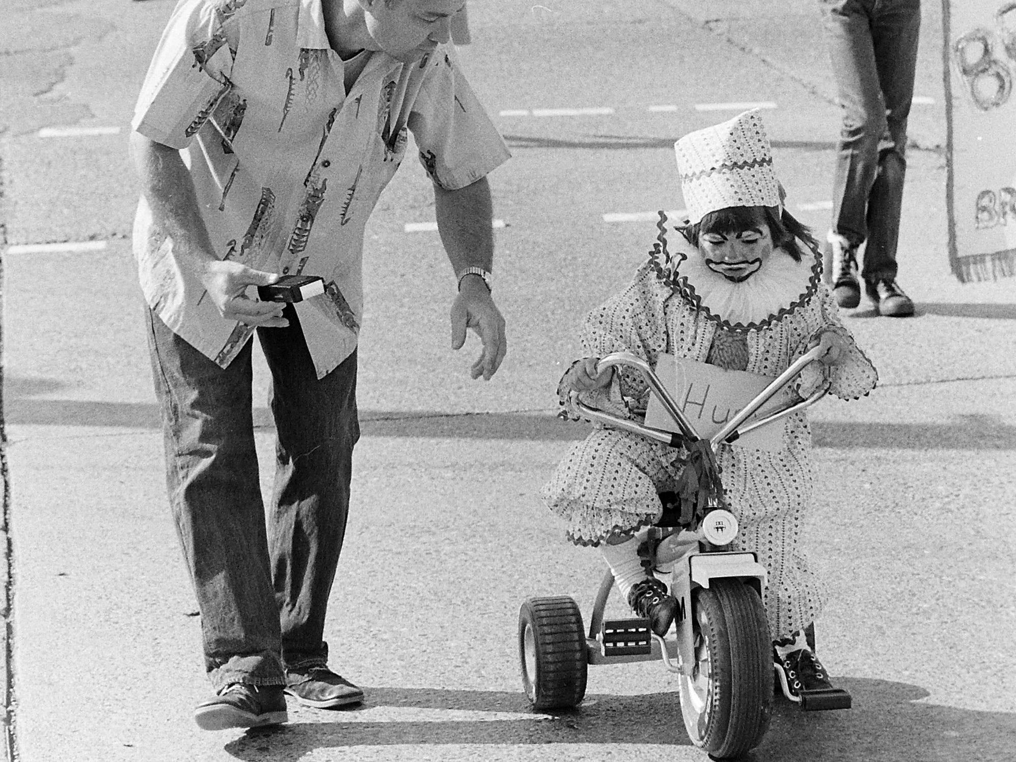 08/22/73Kids Parade