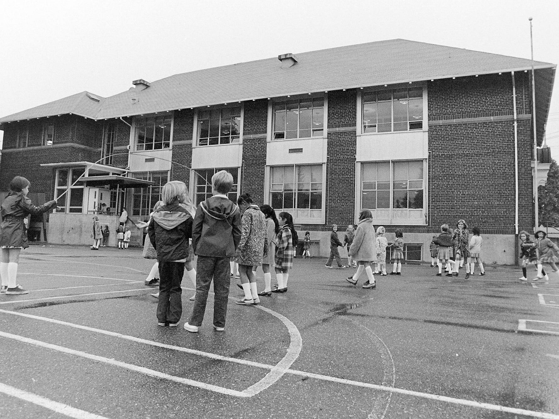 09/17/73Star Of The Sea School